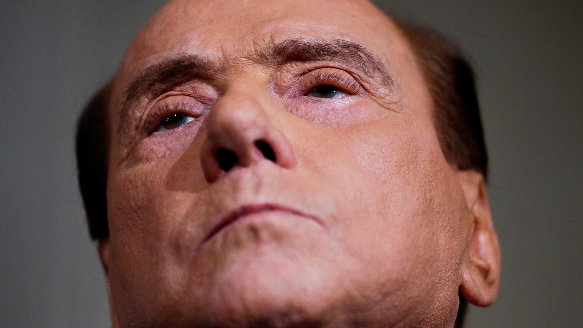 Ex-primeiro-ministro Silvio Berlusconi vira réu por corrupção na Itália