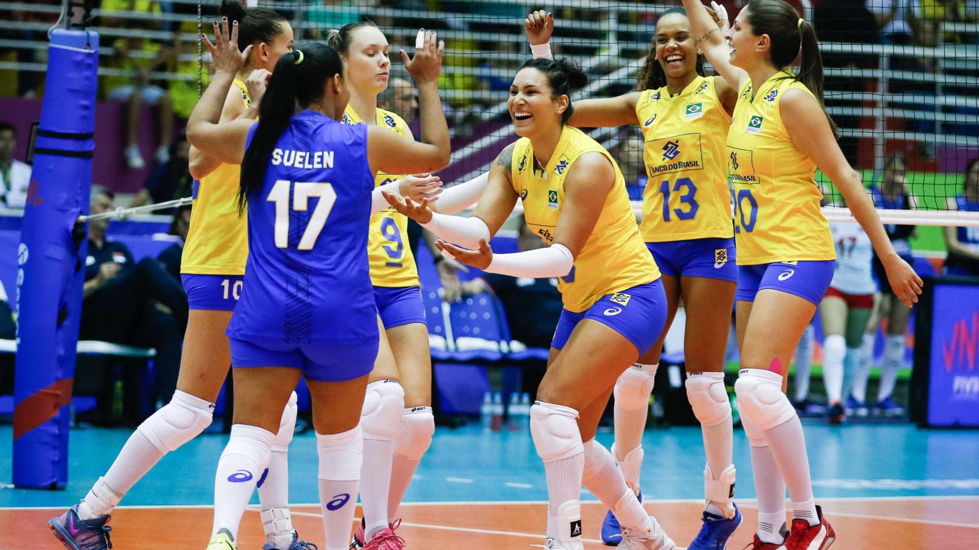 Seleção brasileira feminina de vôlei perde para os EUA