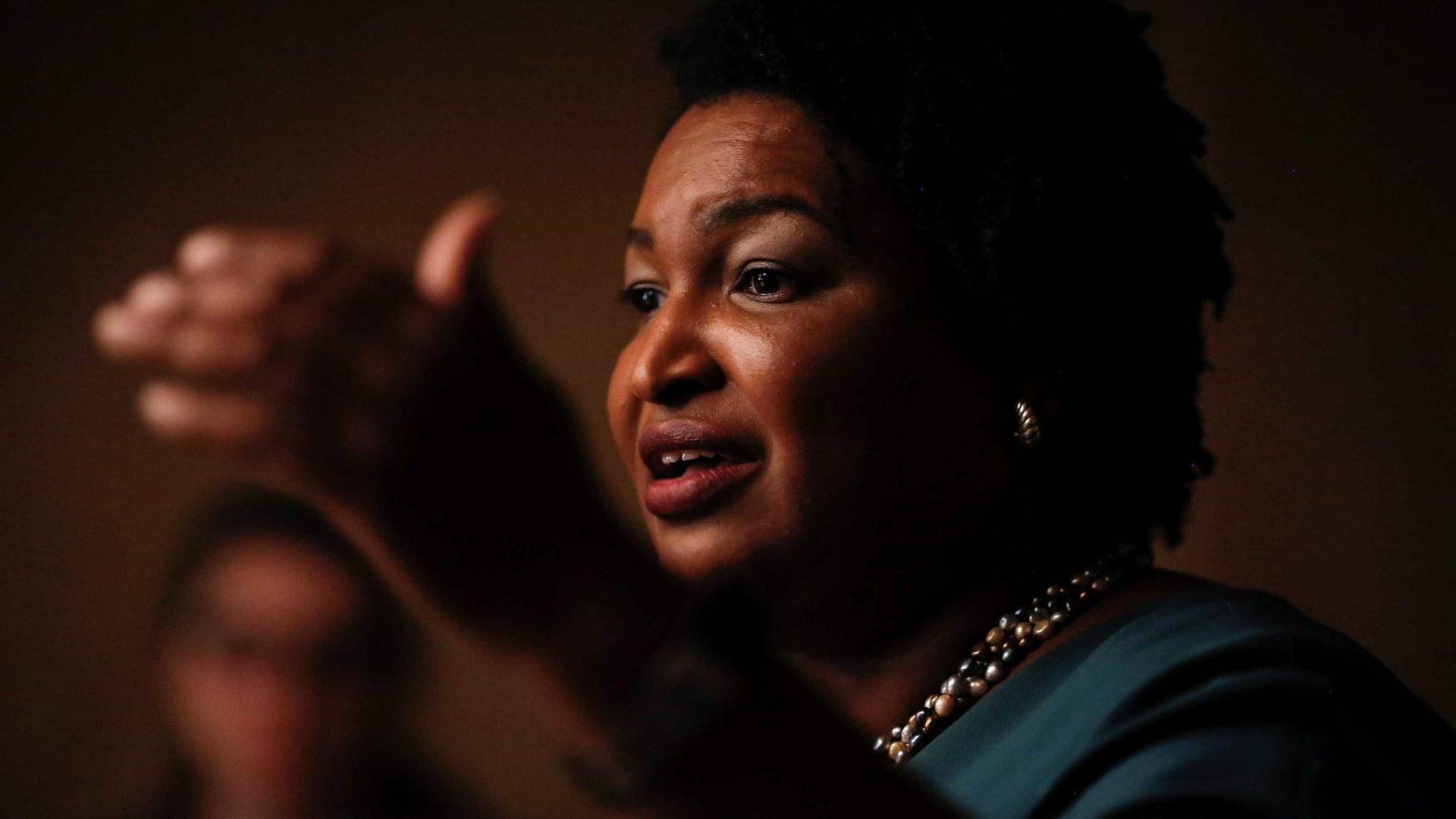 Mulher negra vence primárias democratas na Geórgia