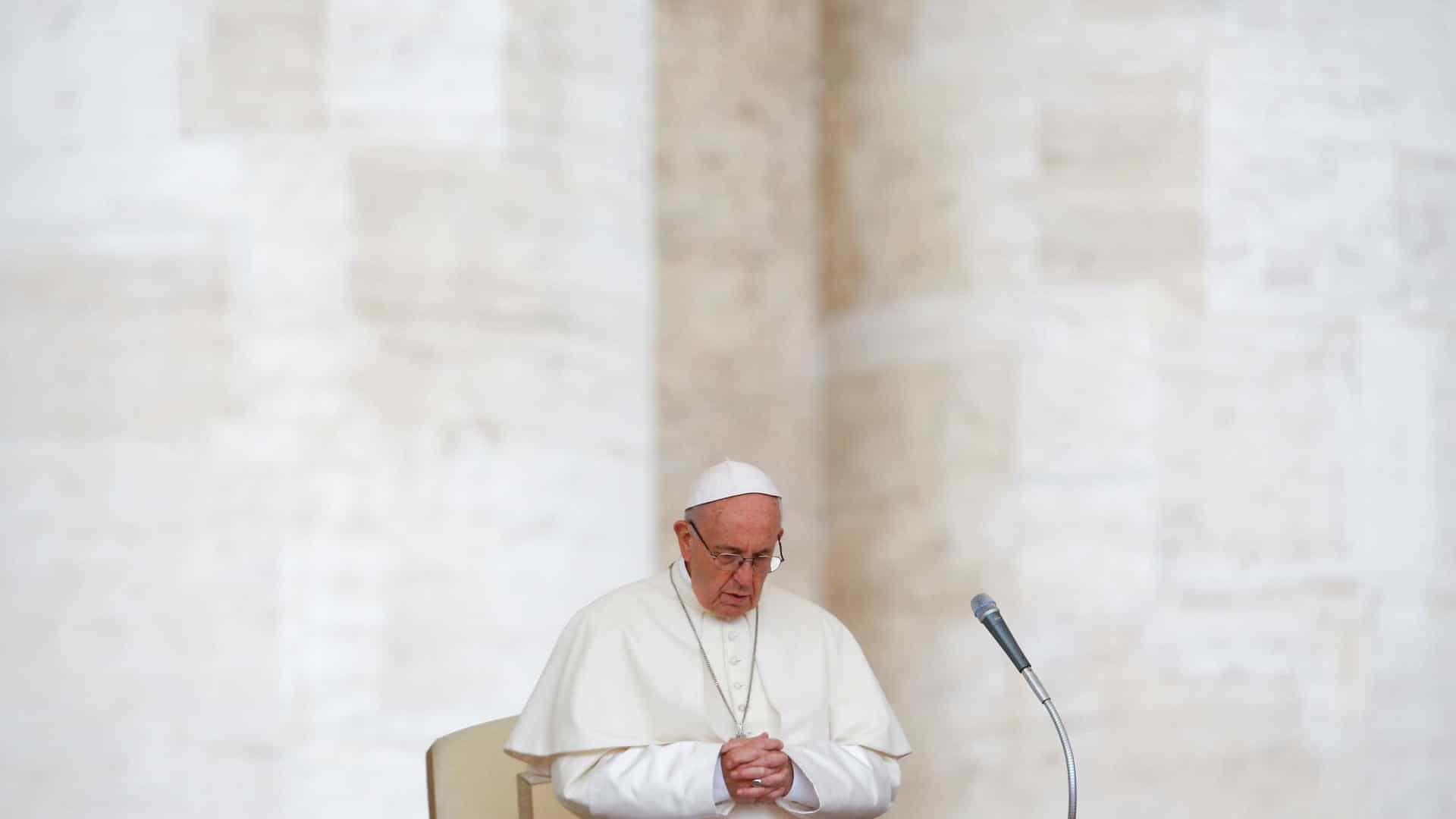 Papa aceita renúncia de bispos chilenos por escândalo de abuso sexual