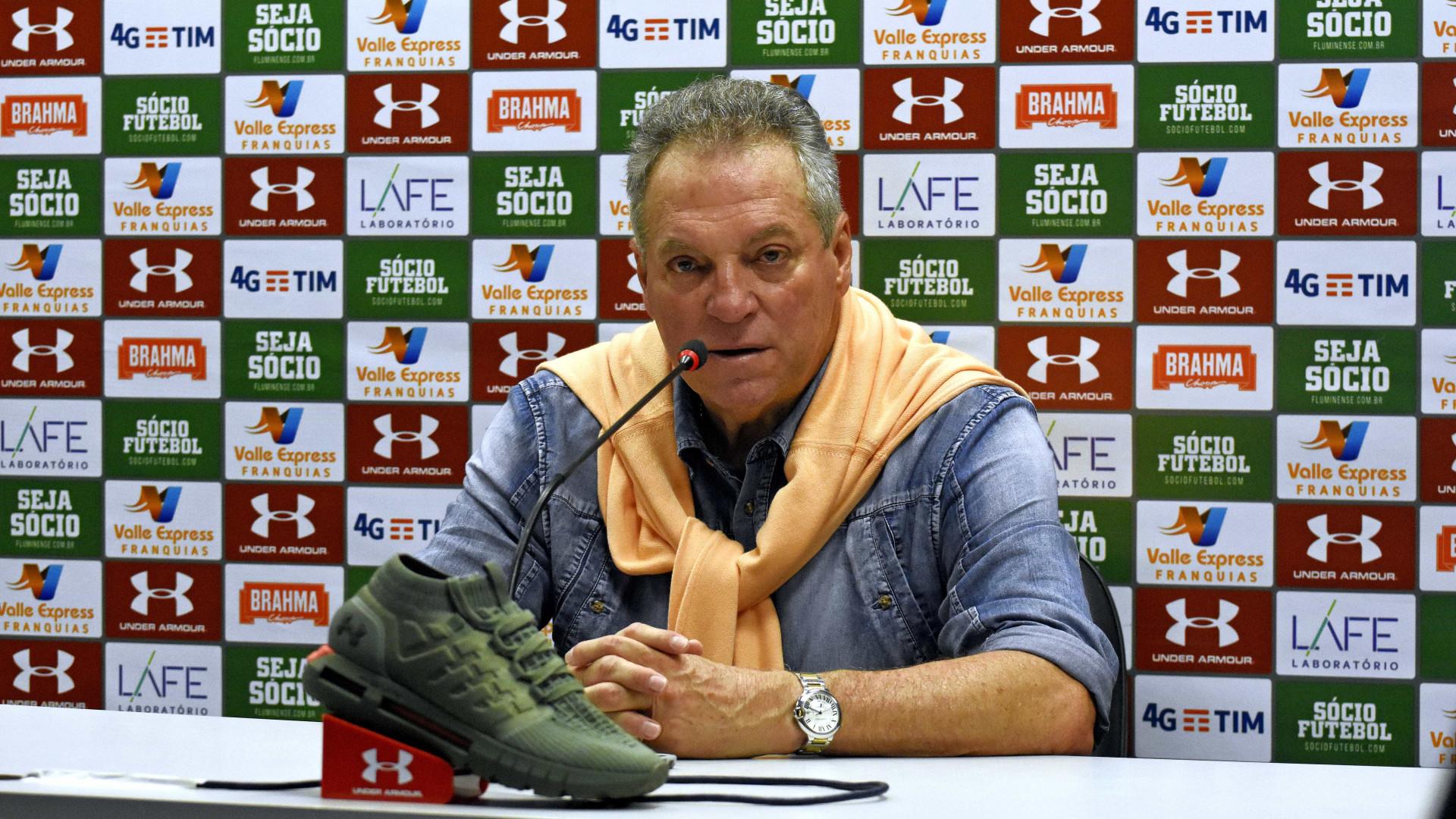 Abel Braga contém euforia após vitória: 'Resultado foi mentiroso'