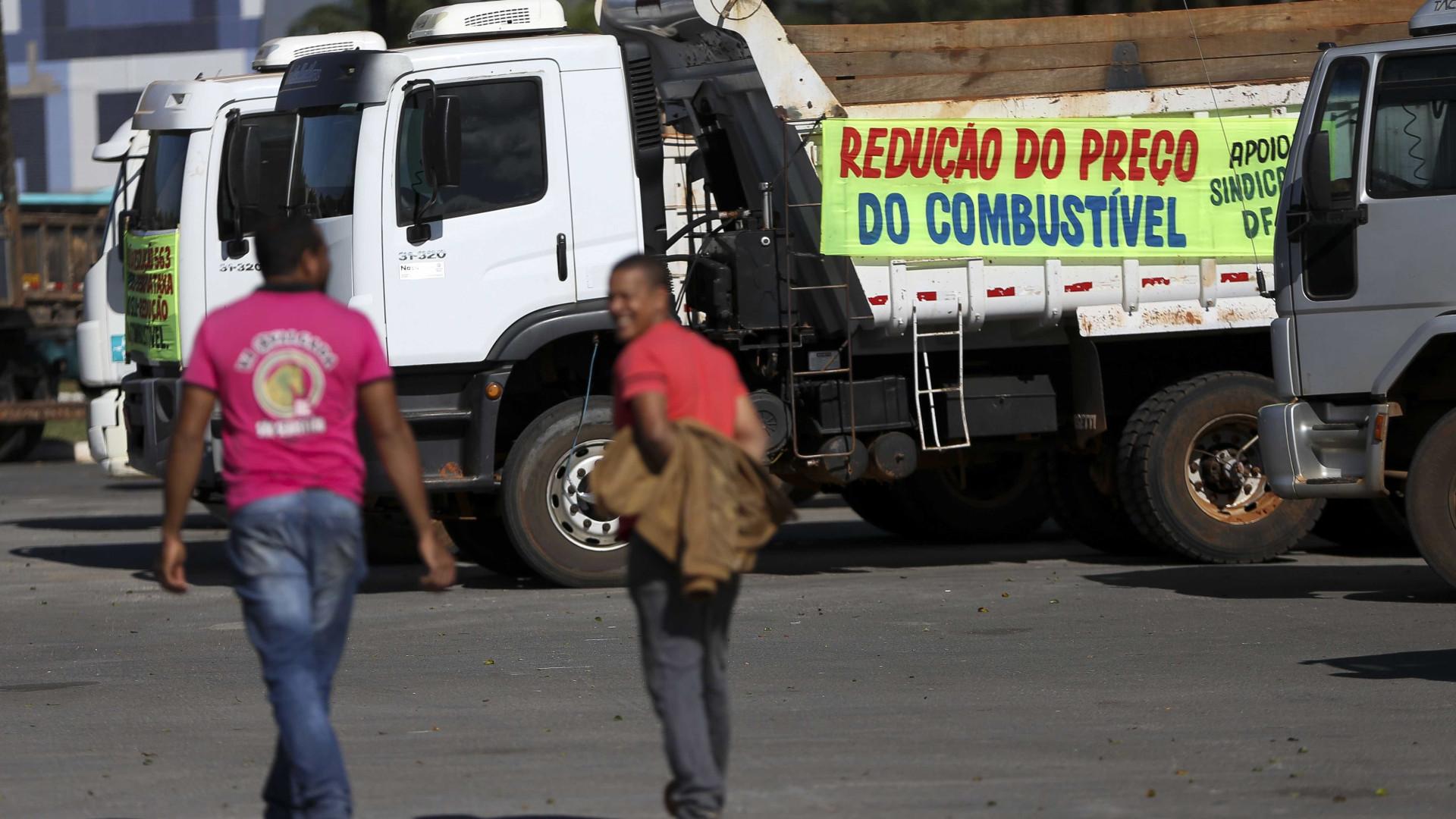 Greve só acaba com queda do preço nas bombas, diz líderes do movimento