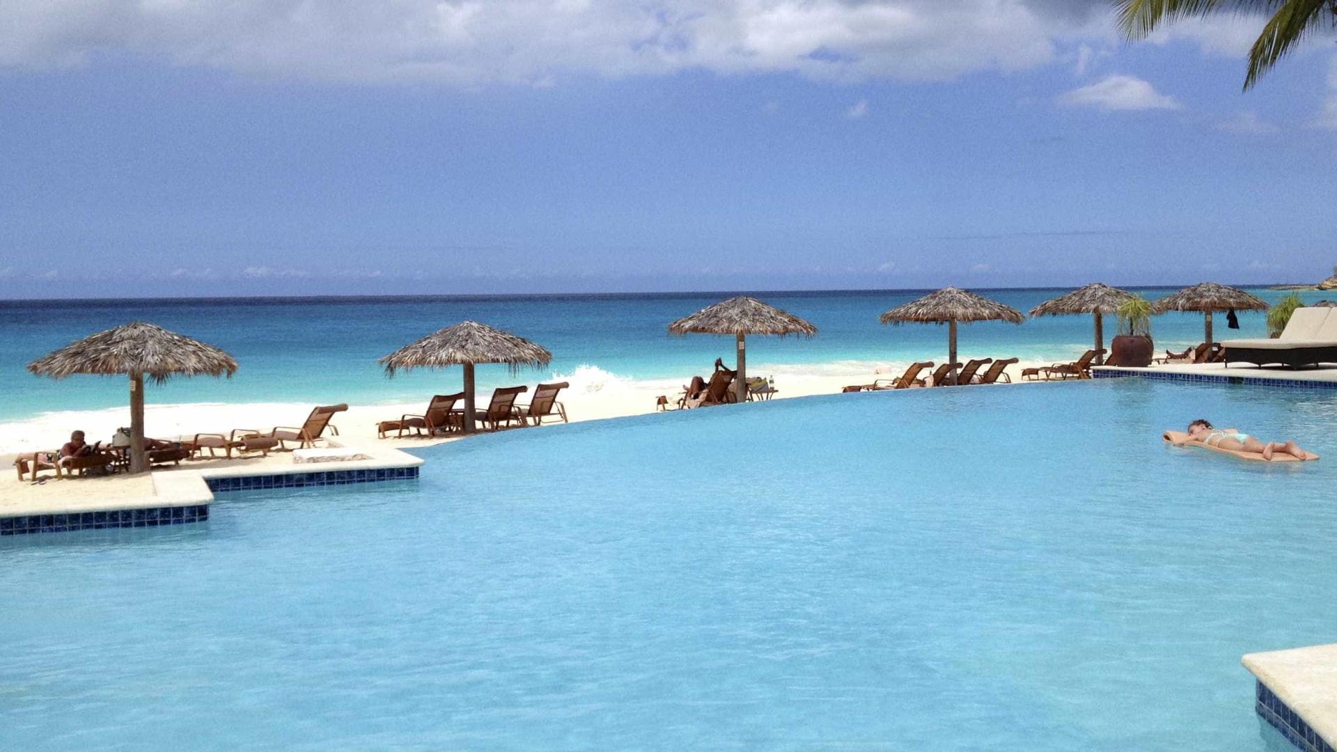 Praias incríveis fazem de Anguilla e St. Barth os destinos do momento
