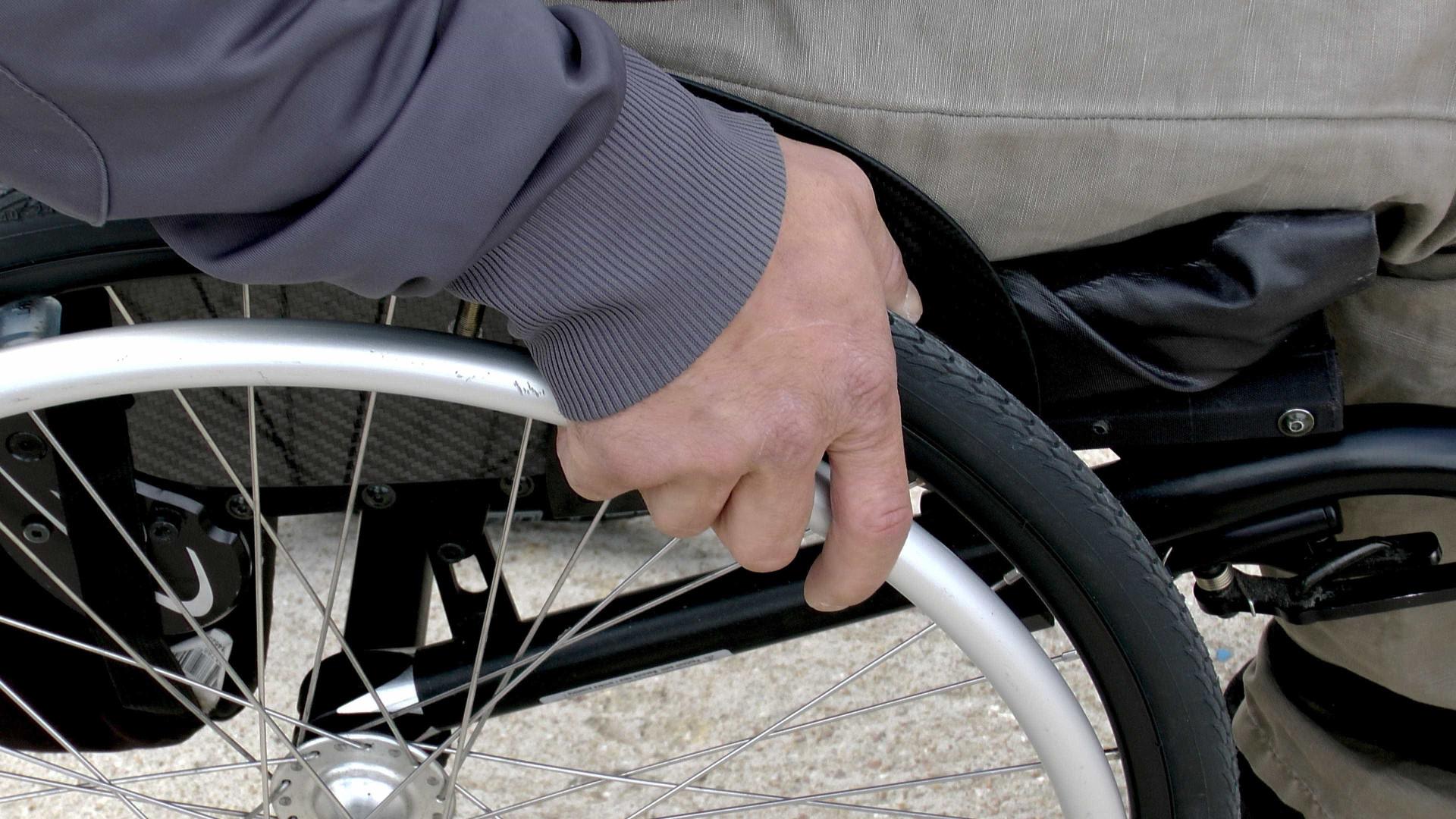 Decreto atualiza reserva de cotas para pessoas com deficiência