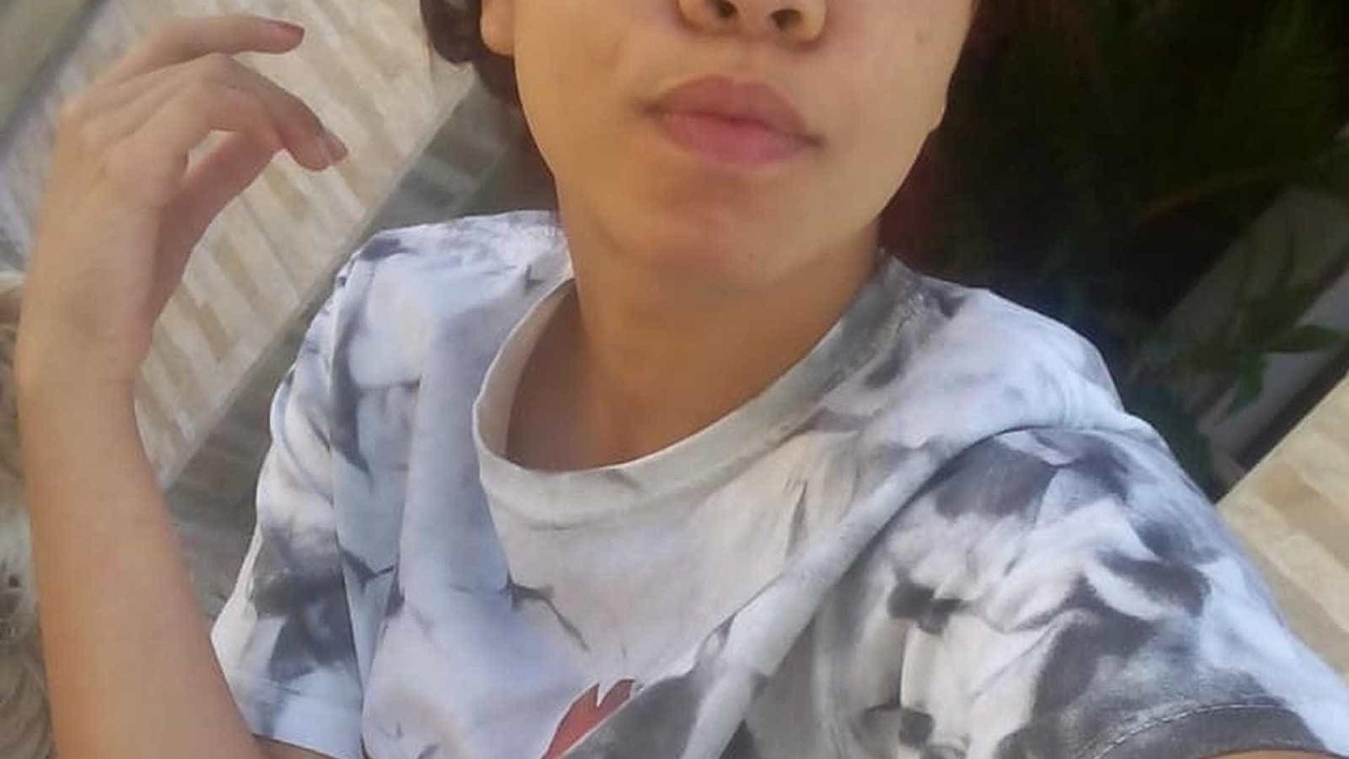 Jovem é flagrada com desconhecida e desaparece em rodoviária de SP