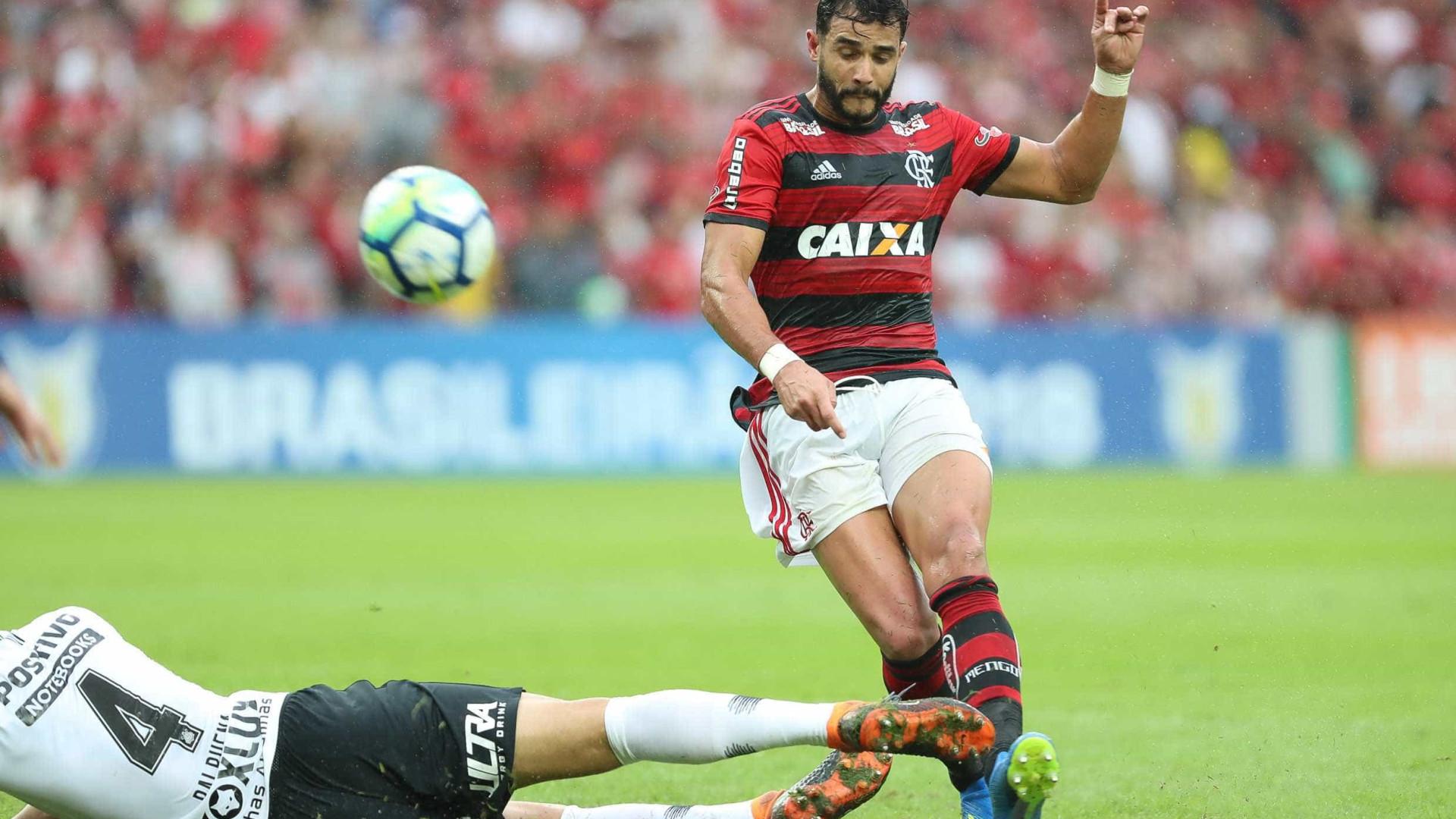 Sem marcar há 33 dias, Dourado minimiza pressão no Flamengo