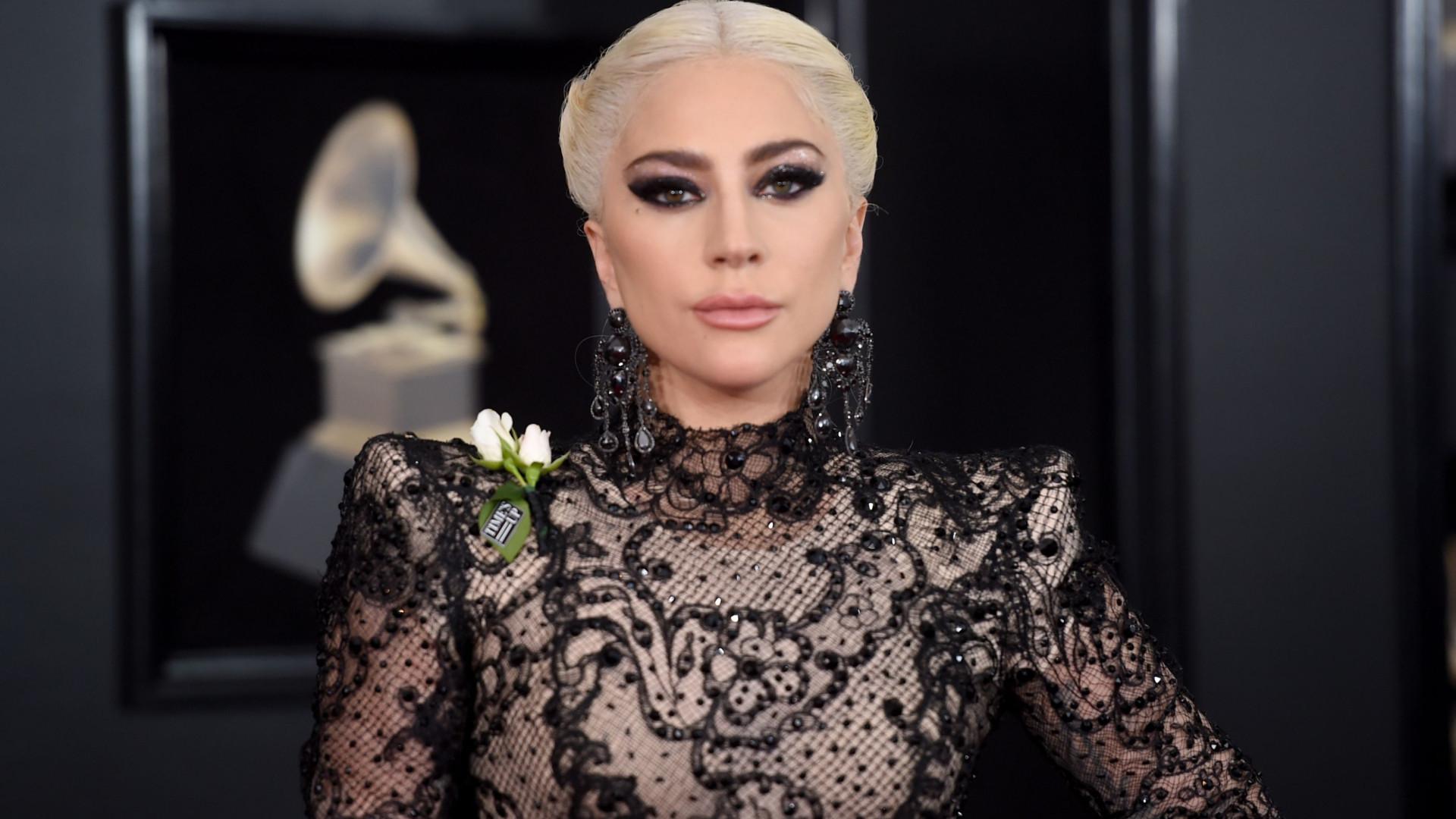 Em entrevista à revista francesa, Lady Gaga diz que sonha em ser mãe