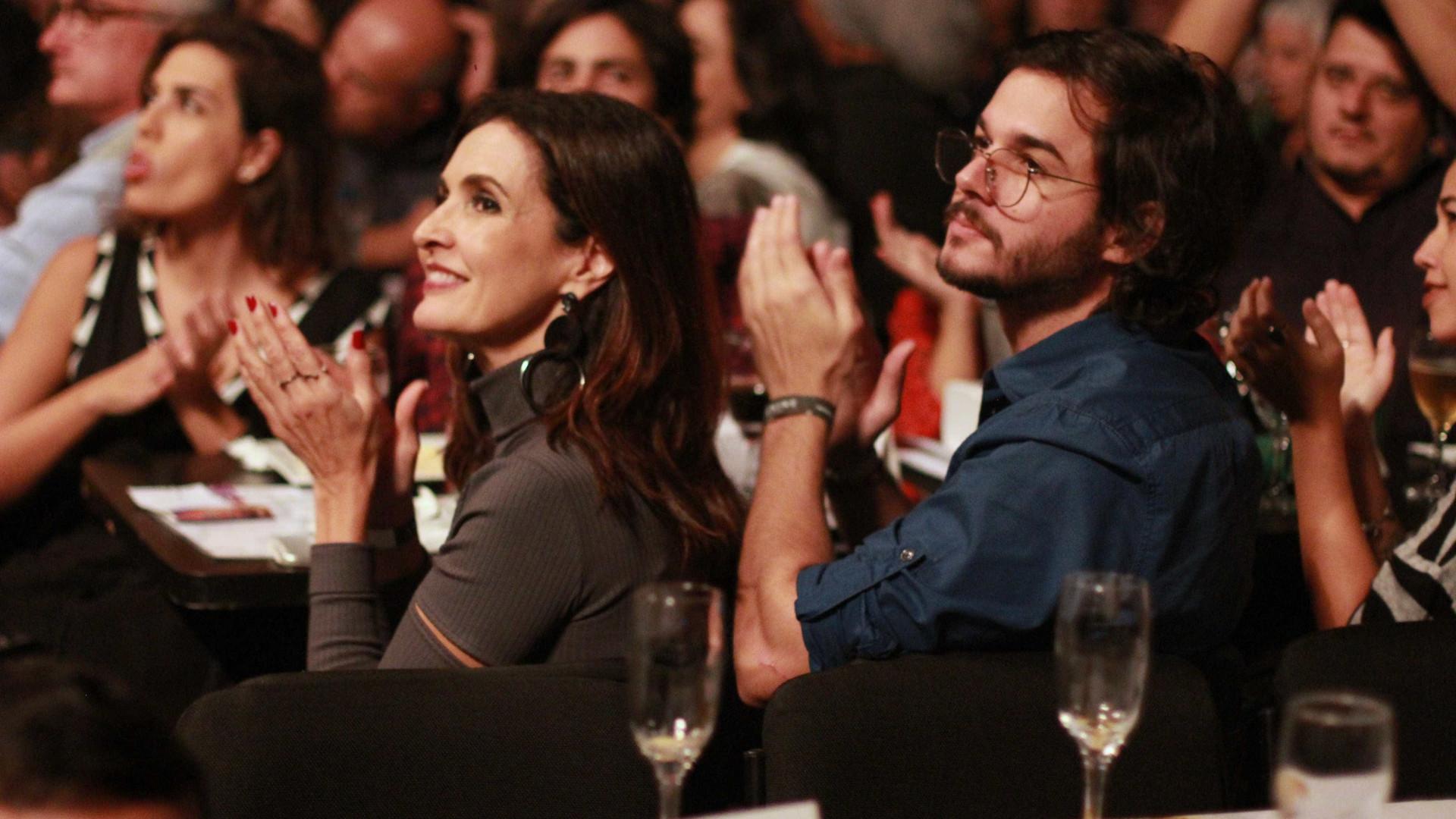 Fátima Bernardes comemora eleição do namorado: 'Parabéns, amor'