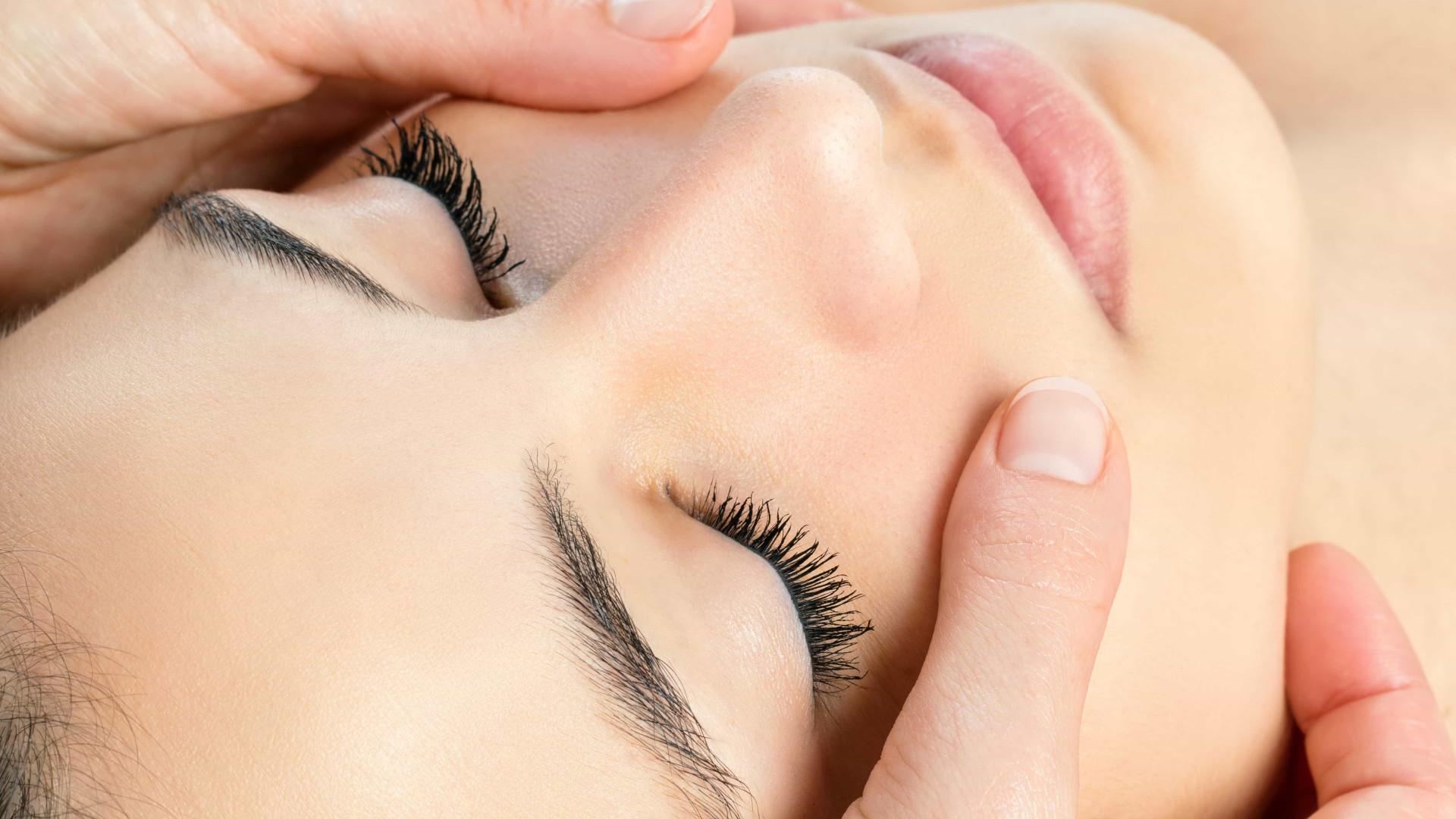 Preenchimento com ácido hialurônico ajuda a eliminar o bigode chinês