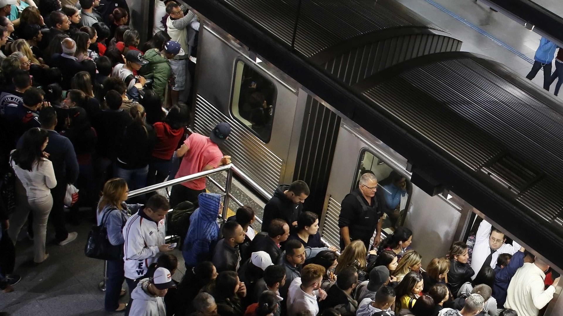 Homem é preso por abusar sexualmente de mulher em vagão de metrô em SP