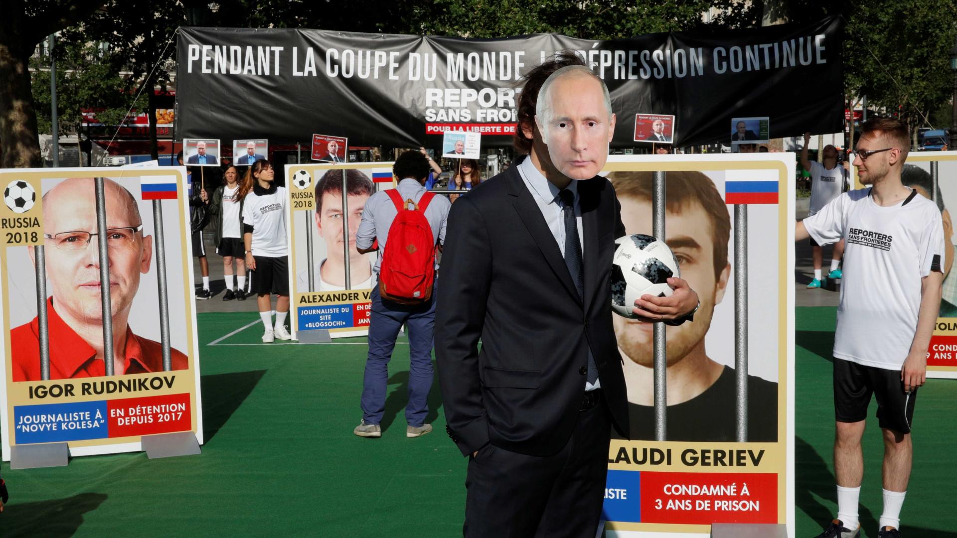 Rússia se contrapõe ao Brasil e entrega Copa sem conflitos