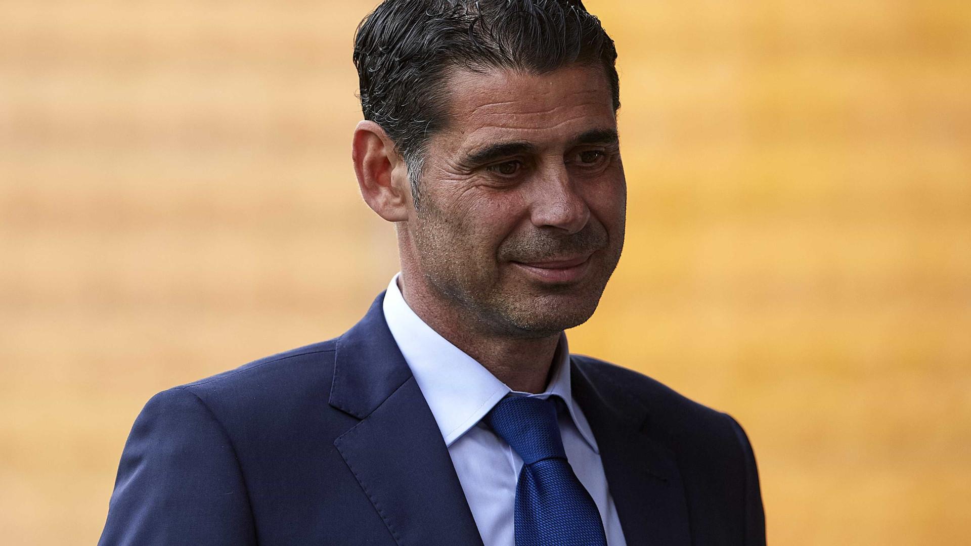 Ex-zagueiro Fernando Hierro é o novo técnico da seleção espanhola