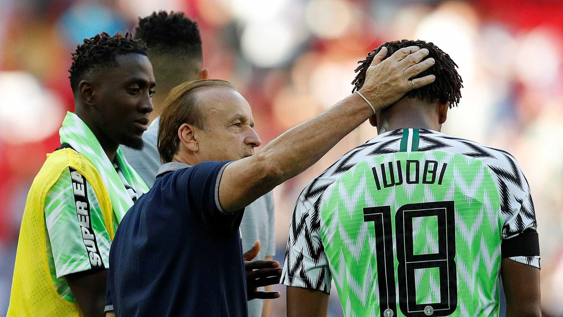 Nigéria aposta em jovens estrelas para surpreender na Copa