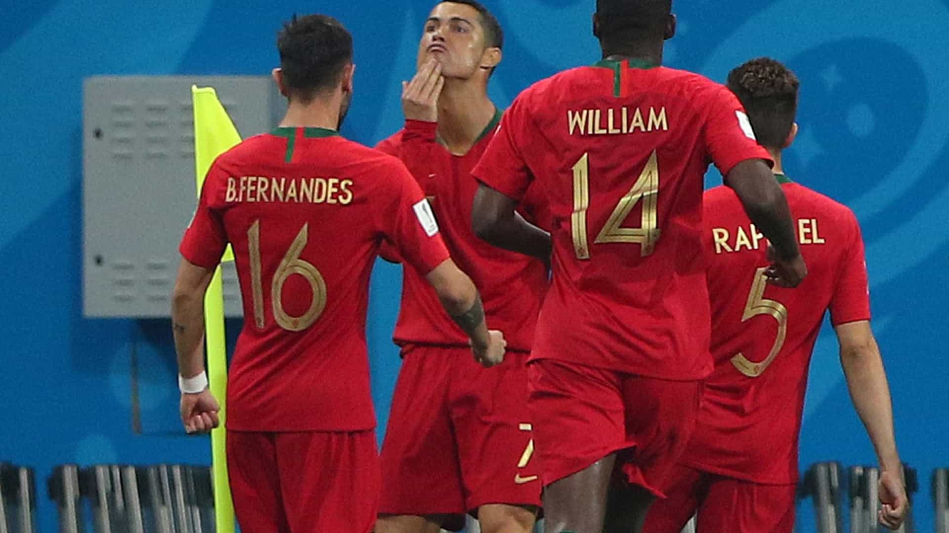 Comemoração do 1º gol de CR7 seria provocação a Messi; entenda