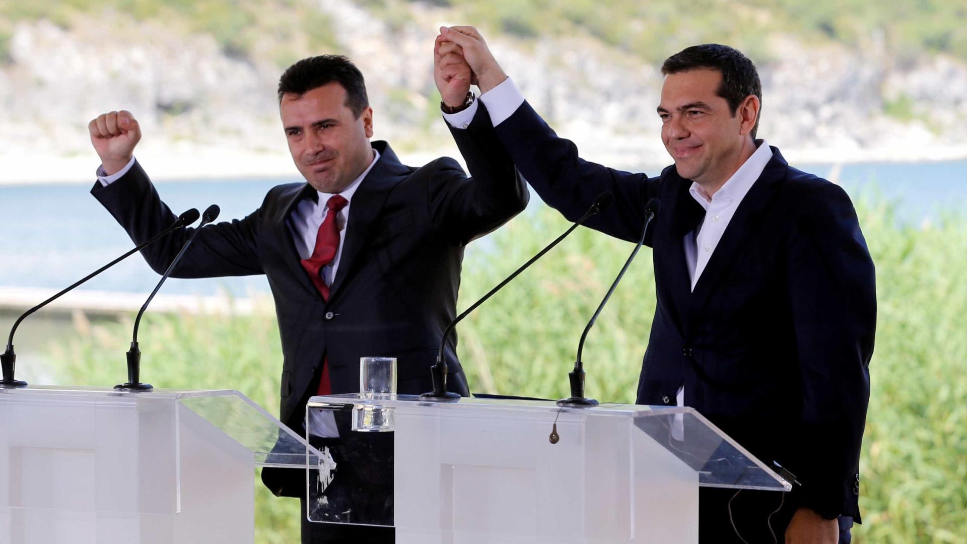 Macedônia assina acordo com Grécia para mudar de nome