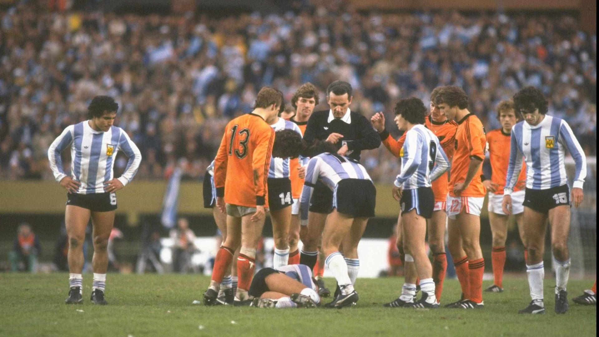 Morre juiz que apitou final da Copa de 1978