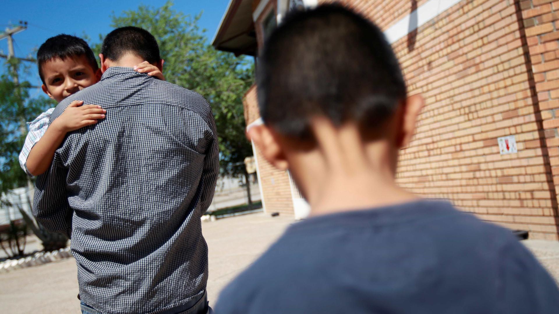 51 crianças brasileiras estão separadas dos pais nos EUA
