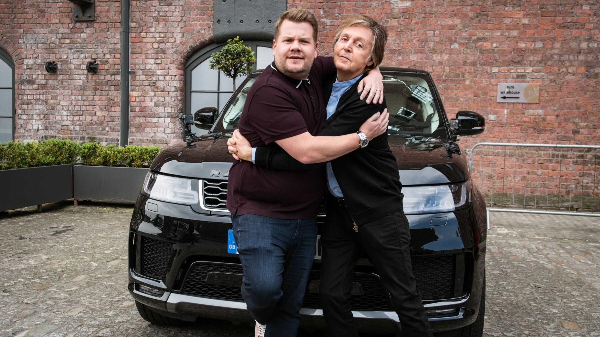Paul McCartney faz show surpresa no 'Carpool Karaoke'; veja