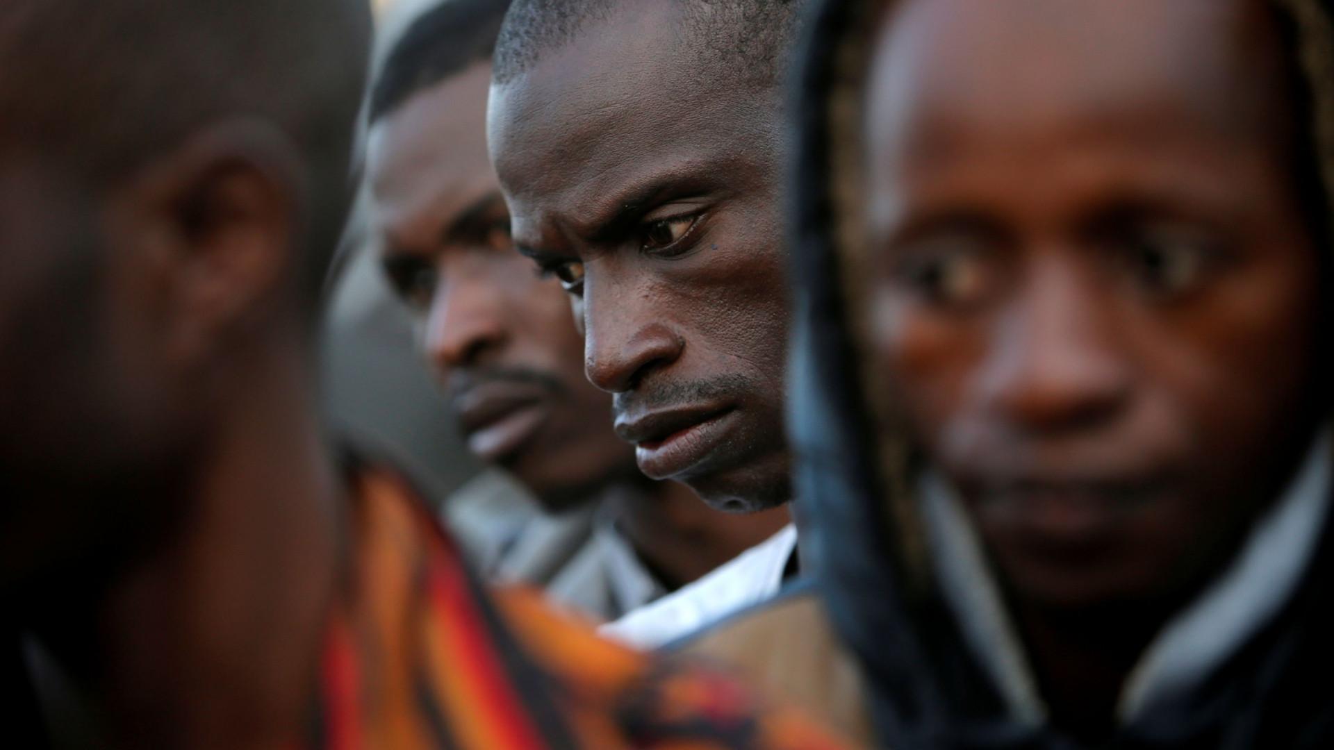 Diretor afirma que Facebook 'atrai imigrantes para a morte'