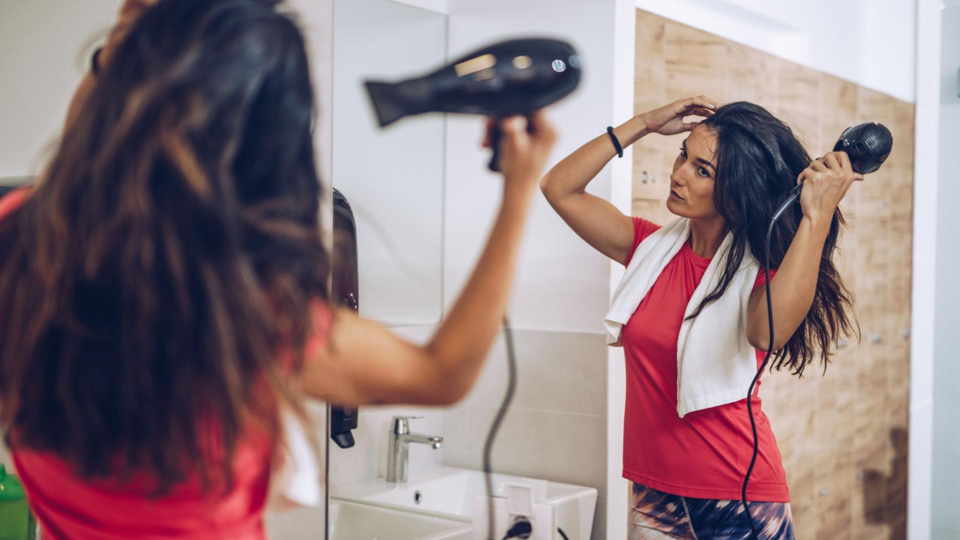 7 objetos que não devem ser guardados no banheiro