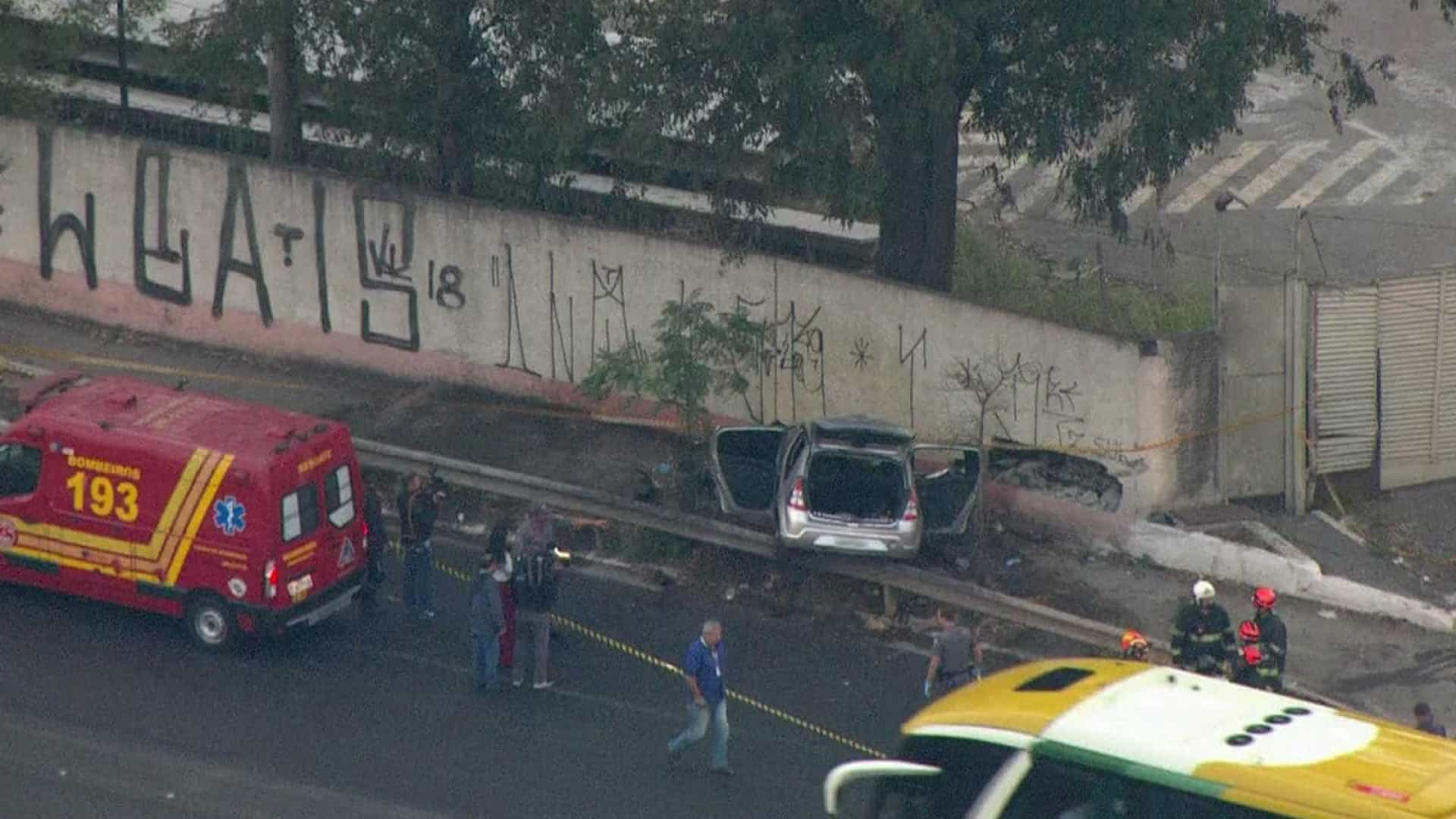 Acidente com carro superlotado deixa um morto e cinco feridos em SP