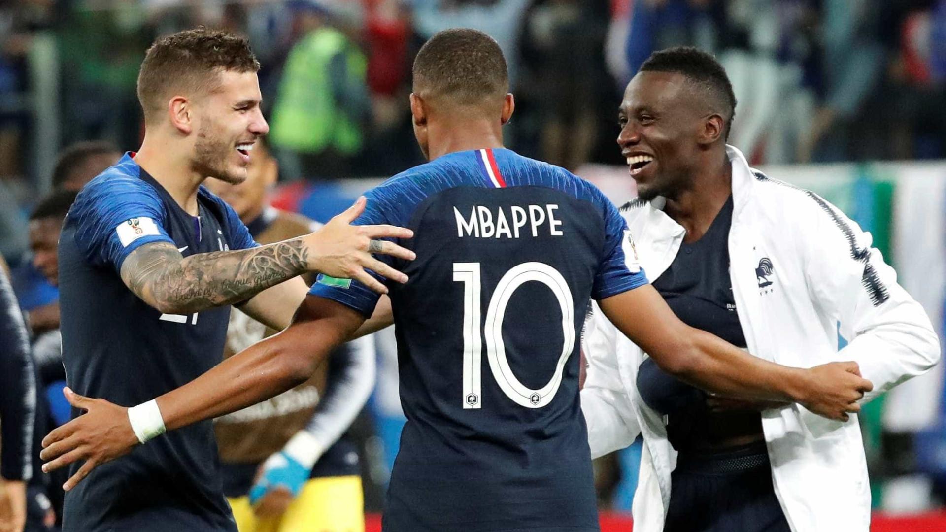 Jovens brilham e França volta à final da Copa pela 1ª vez pós-Zidane