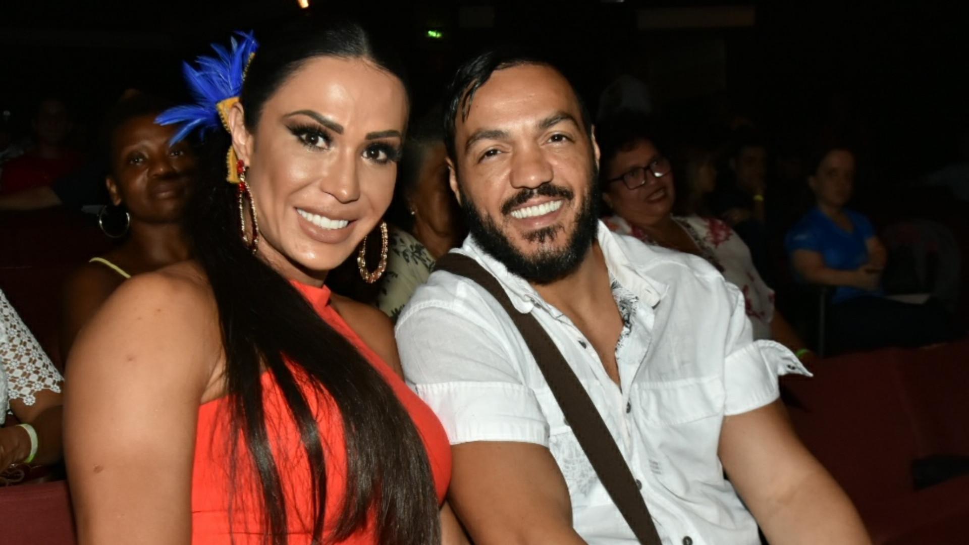 Gracyanne Barbosa brinca com fase fitness de Belo: 'Tá se achani'