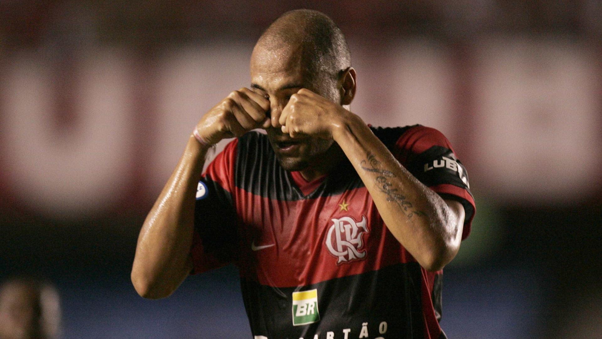 Souza Caveirão anuncia aposentadoria: 'Realizado com a minha carreira'