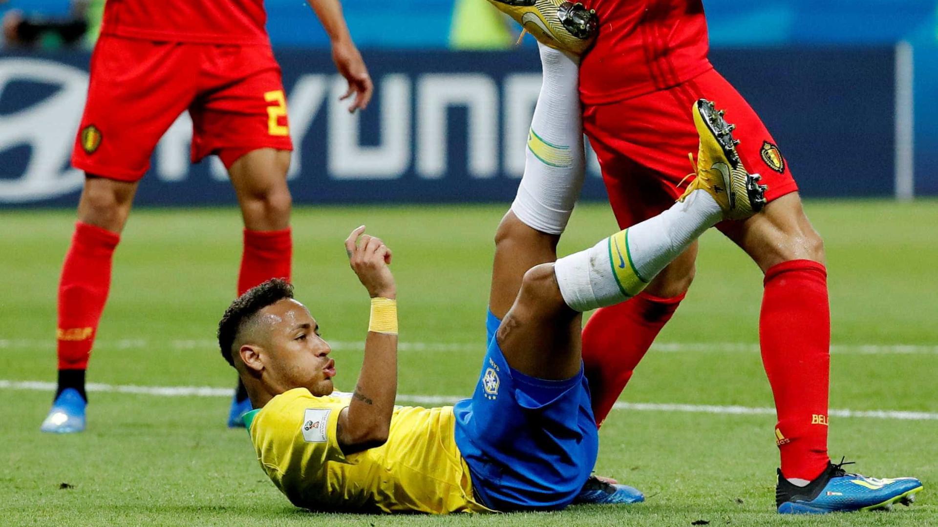 Van Basten critica Neymar e diz que 'simular não é uma boa atitude'