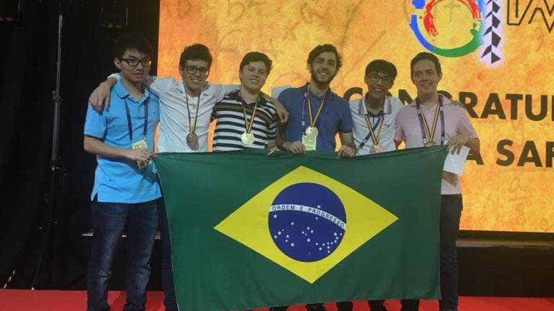 Aluno brasileiro leva ouro na olimpíada mundial de matemática