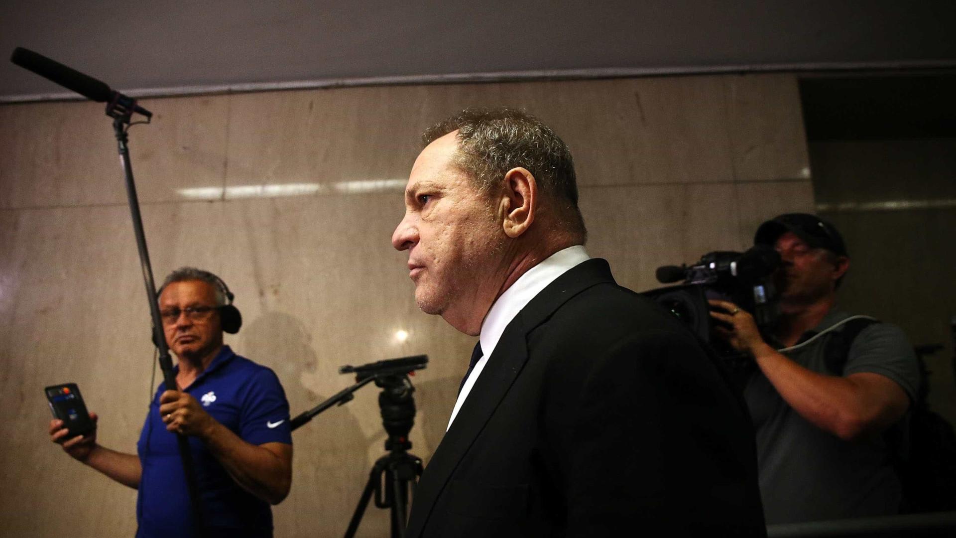 Suposta vítima divulga vídeo de 1º encontro com Harvey Weinstein