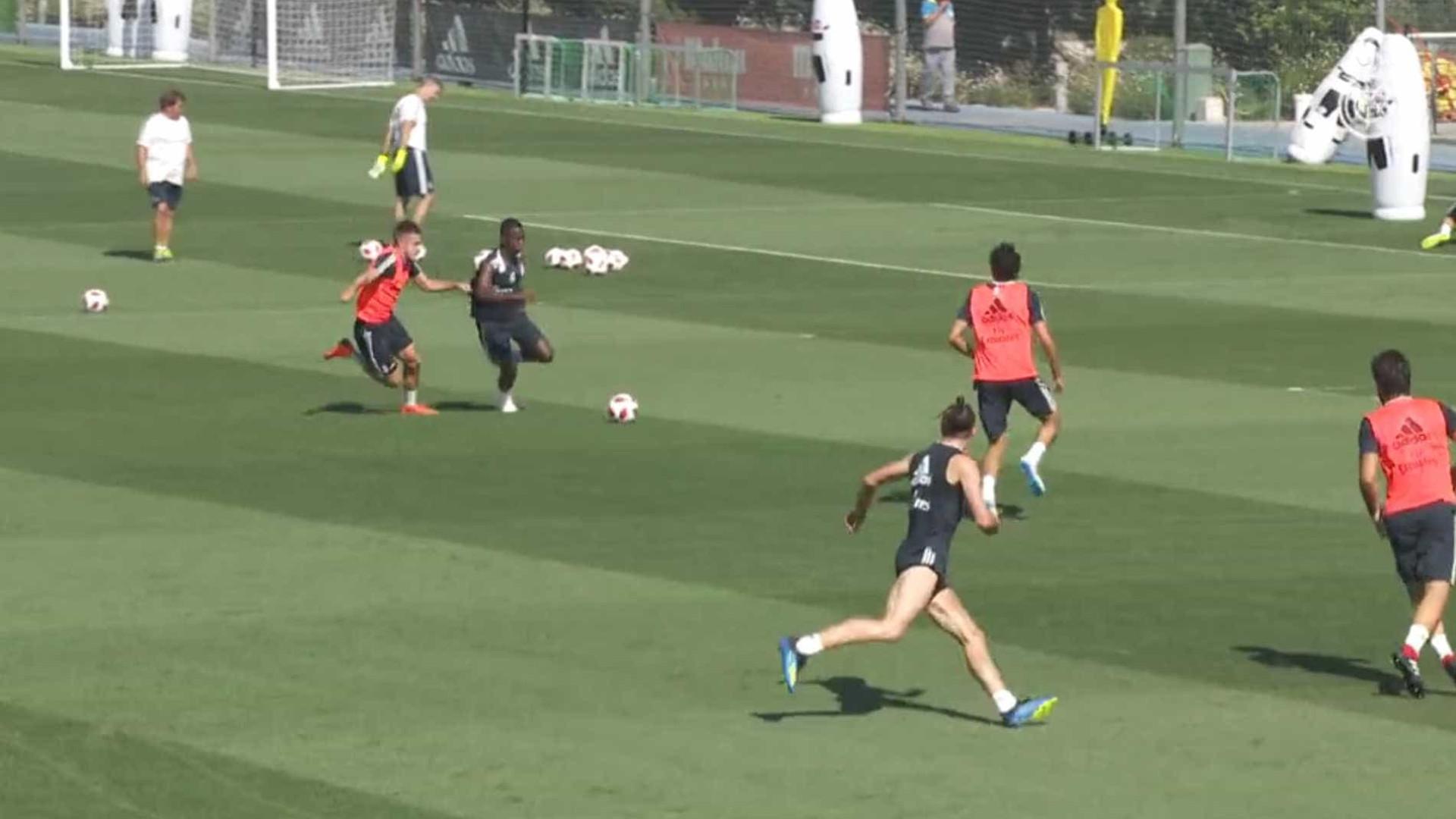 Vinícius Jr. faz jogadaça e deixa Bale na cara do gol em treino do Real