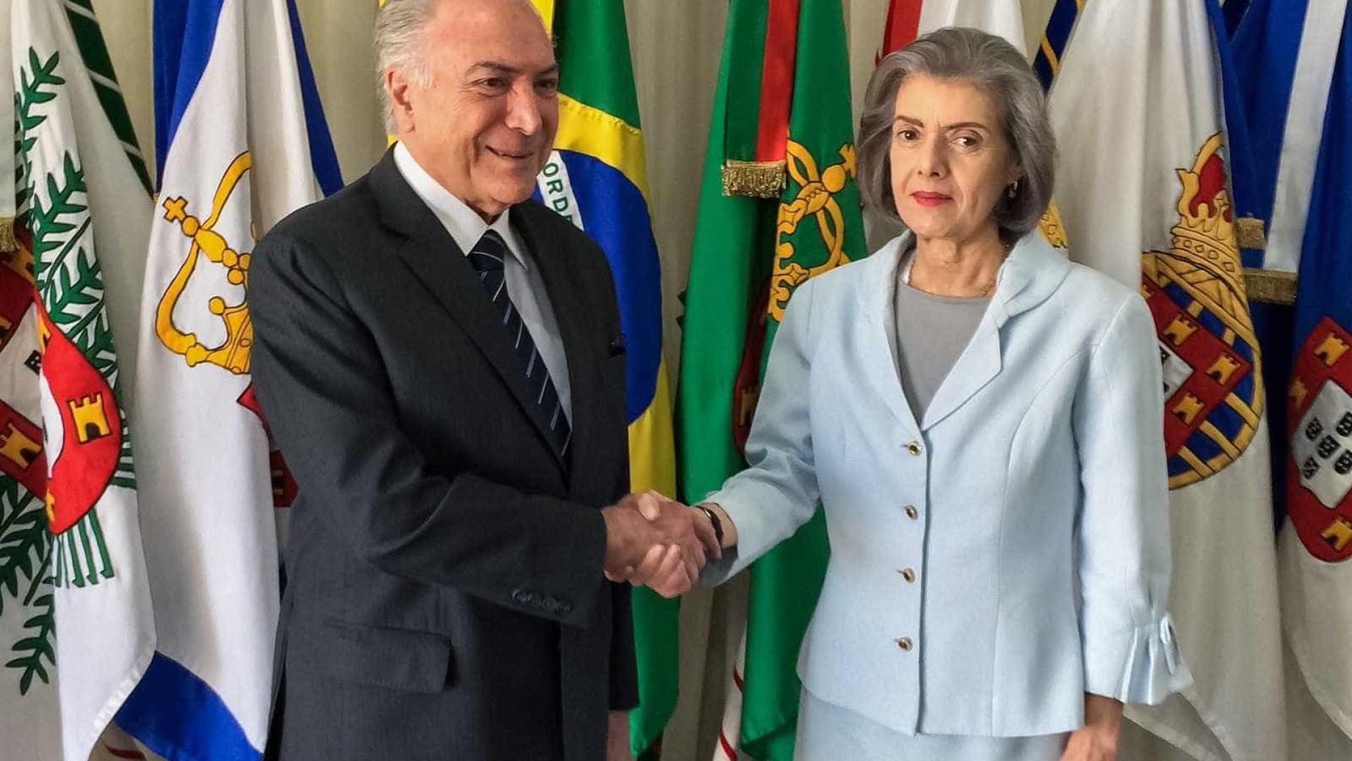 Cármen Lúcia assume Presidência com viagem de Temer pela 4ª vez