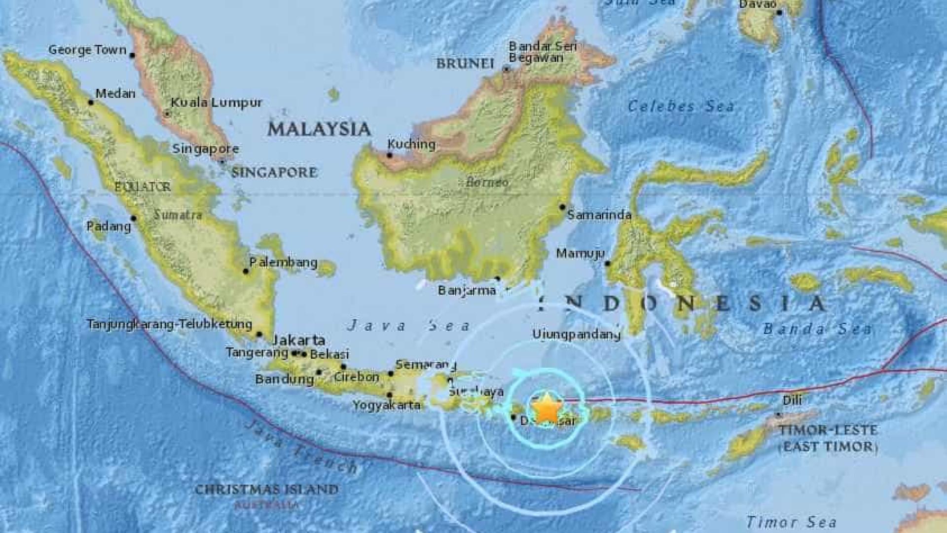 Forte terremoto atinge a Indonésia; há alerta de tsunami