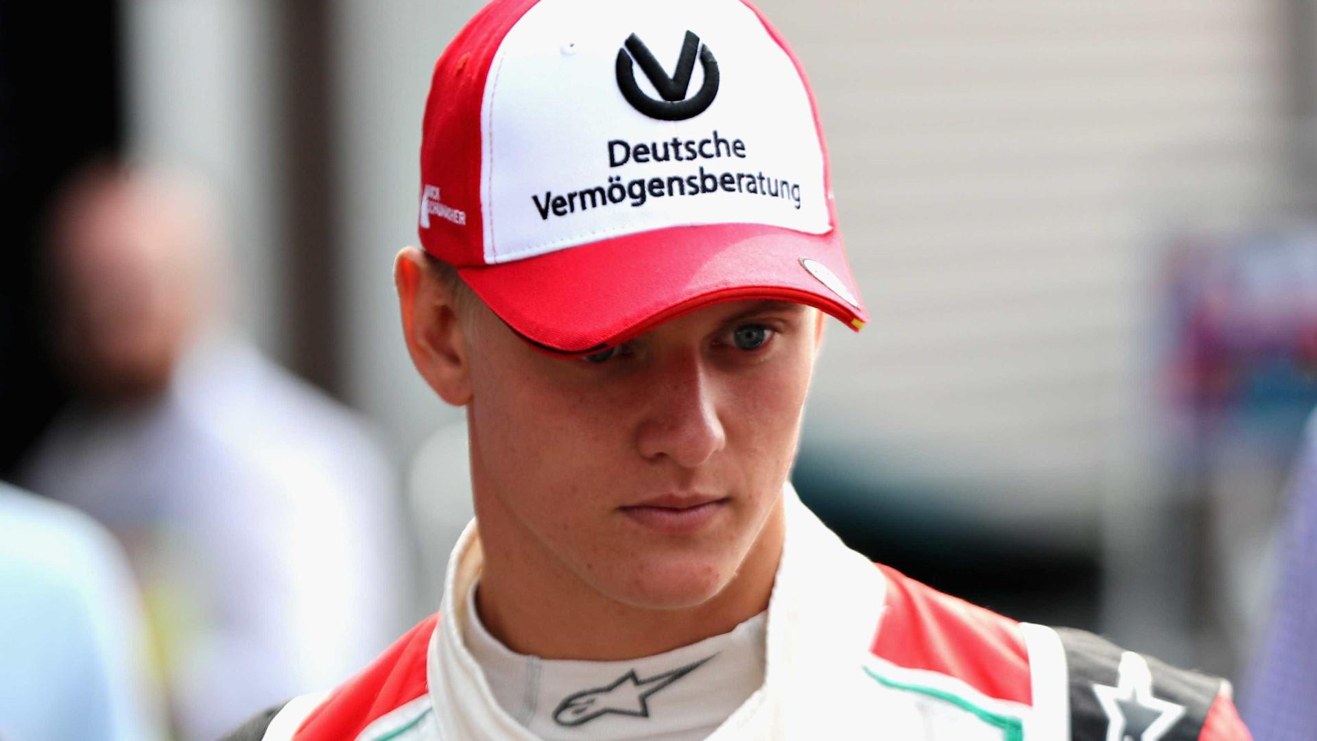Na Bélgica, filho de Schumacher repete pai e vence pela 1ª vez
