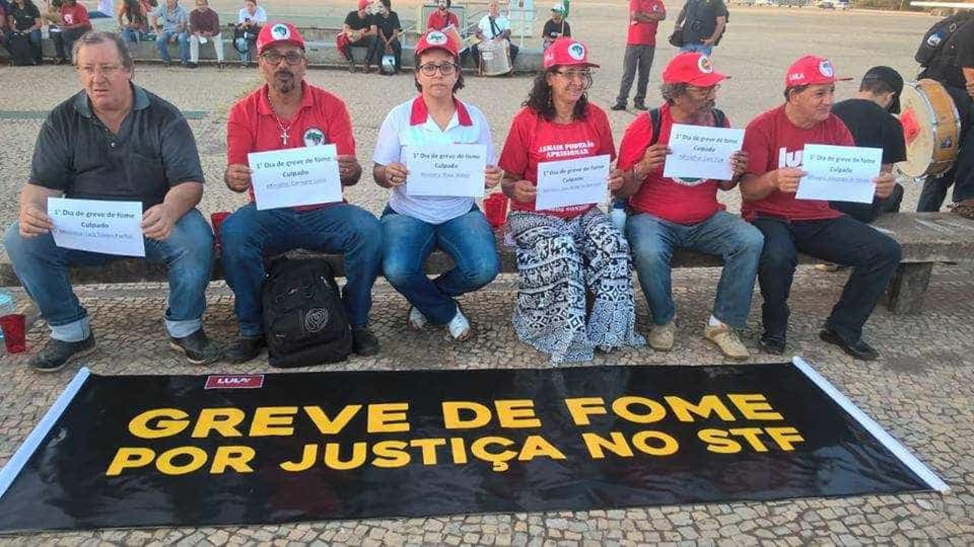 Com greve de fome, manifestantes fazem ato no STF pela soltura de Lula