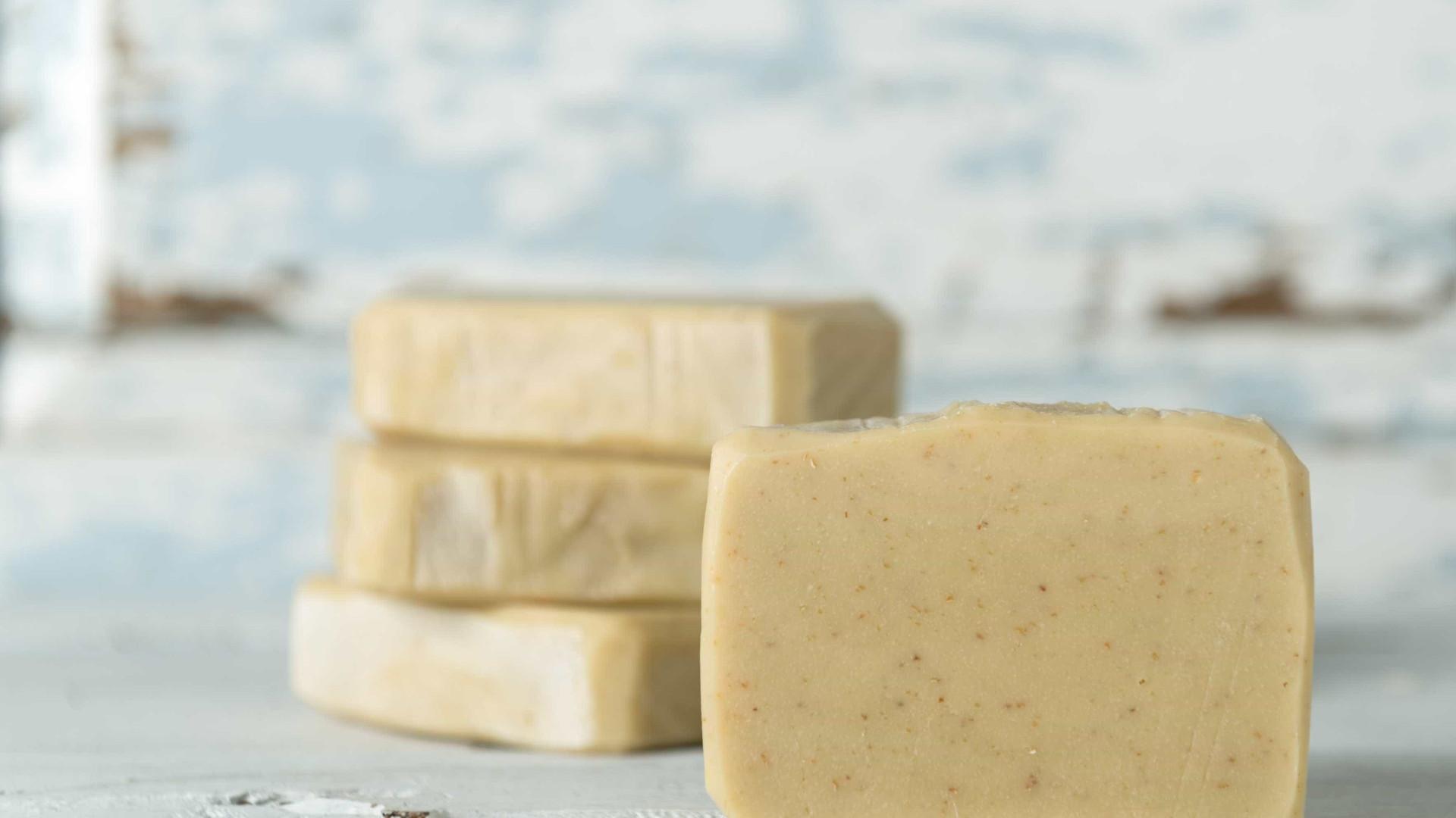 Aprenda a fazer sabão hidratante de azeite