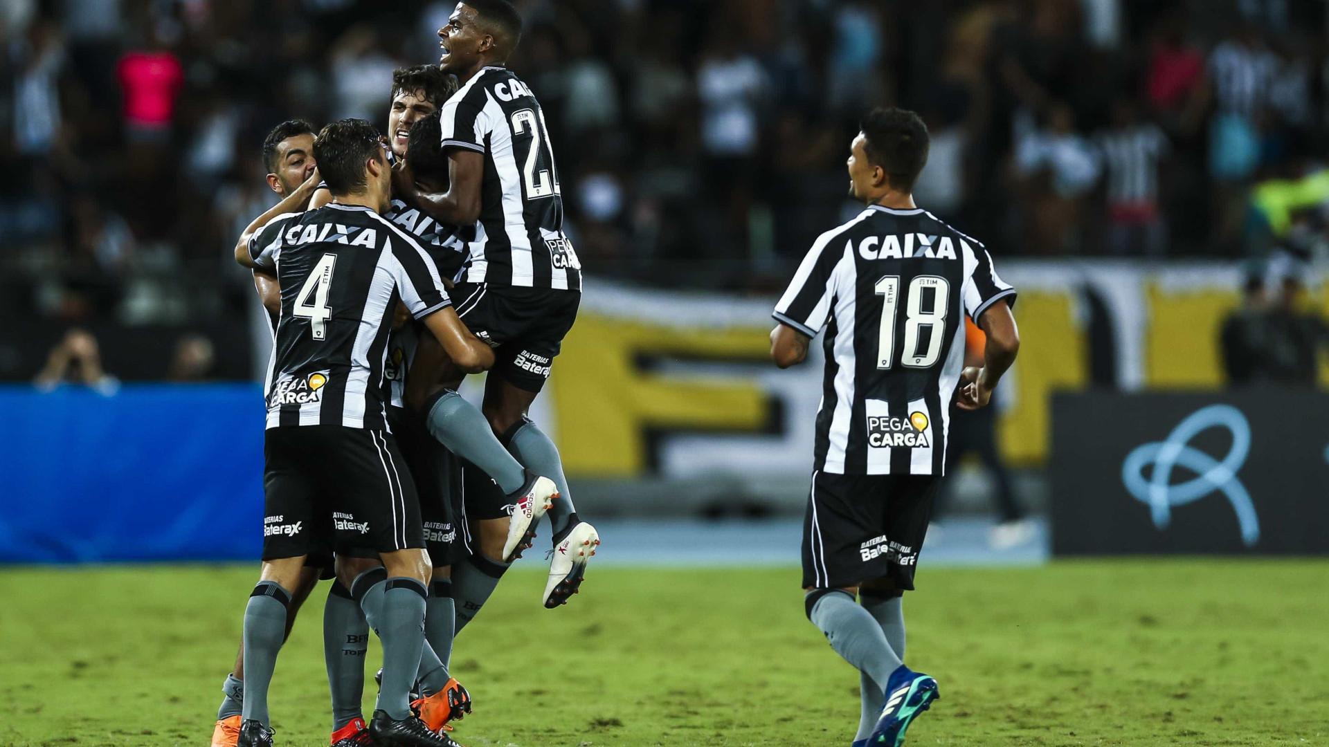 Com um gol no final, Paraná empata com Botafogo na Vila Capanema