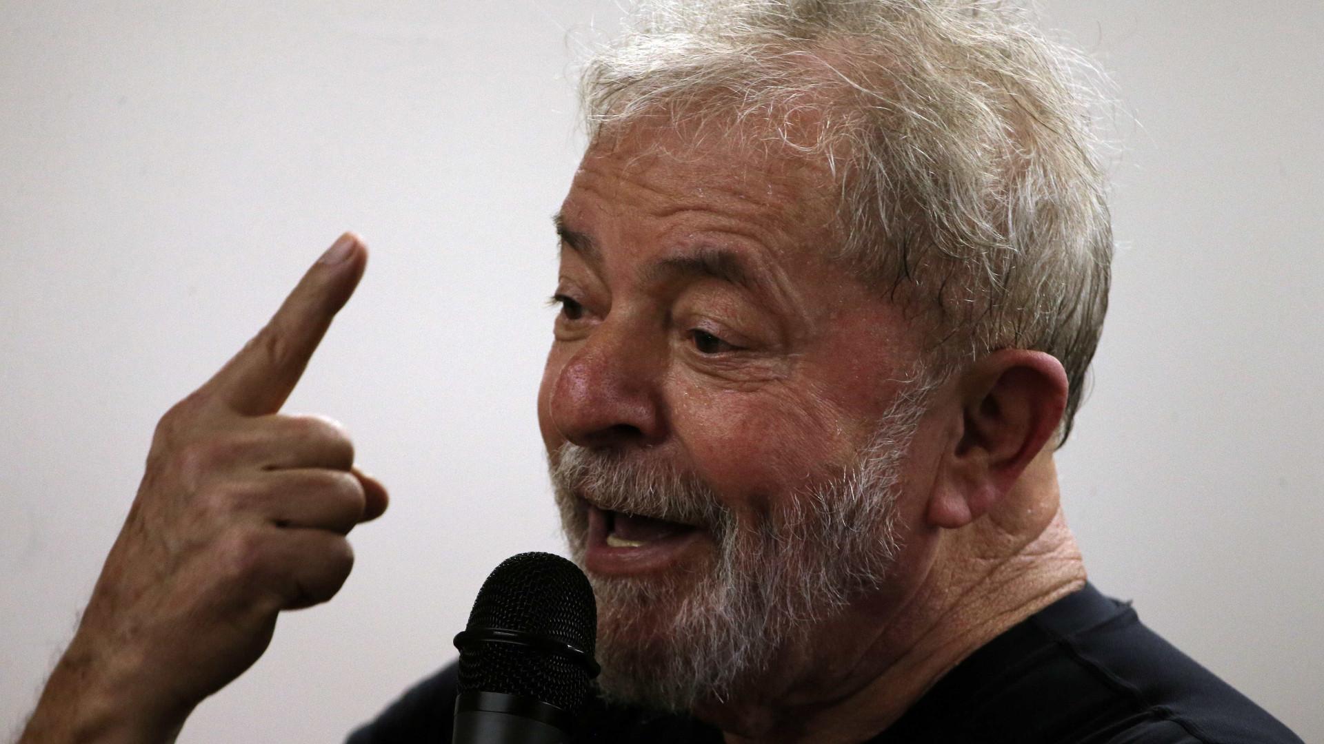 'Peço a vocês que lutem pela eleição do Haddad', diz Lula em carta