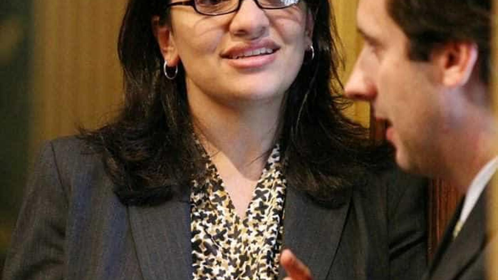 Rashida Tlaib é eleita e EUA terá 1ª mulher muçulmana no Congresso