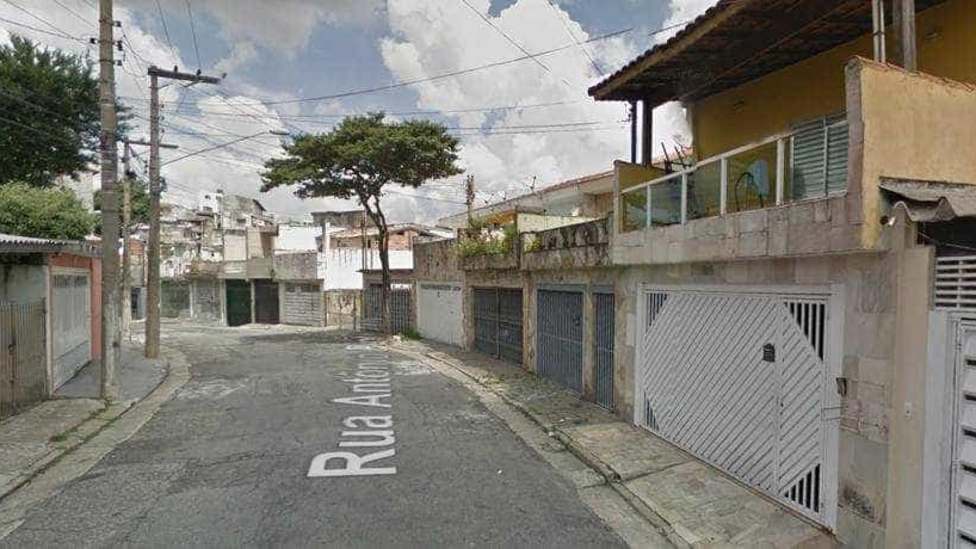 Caminhão invade casas na Vila Matilde, Zona Leste de São Paulo