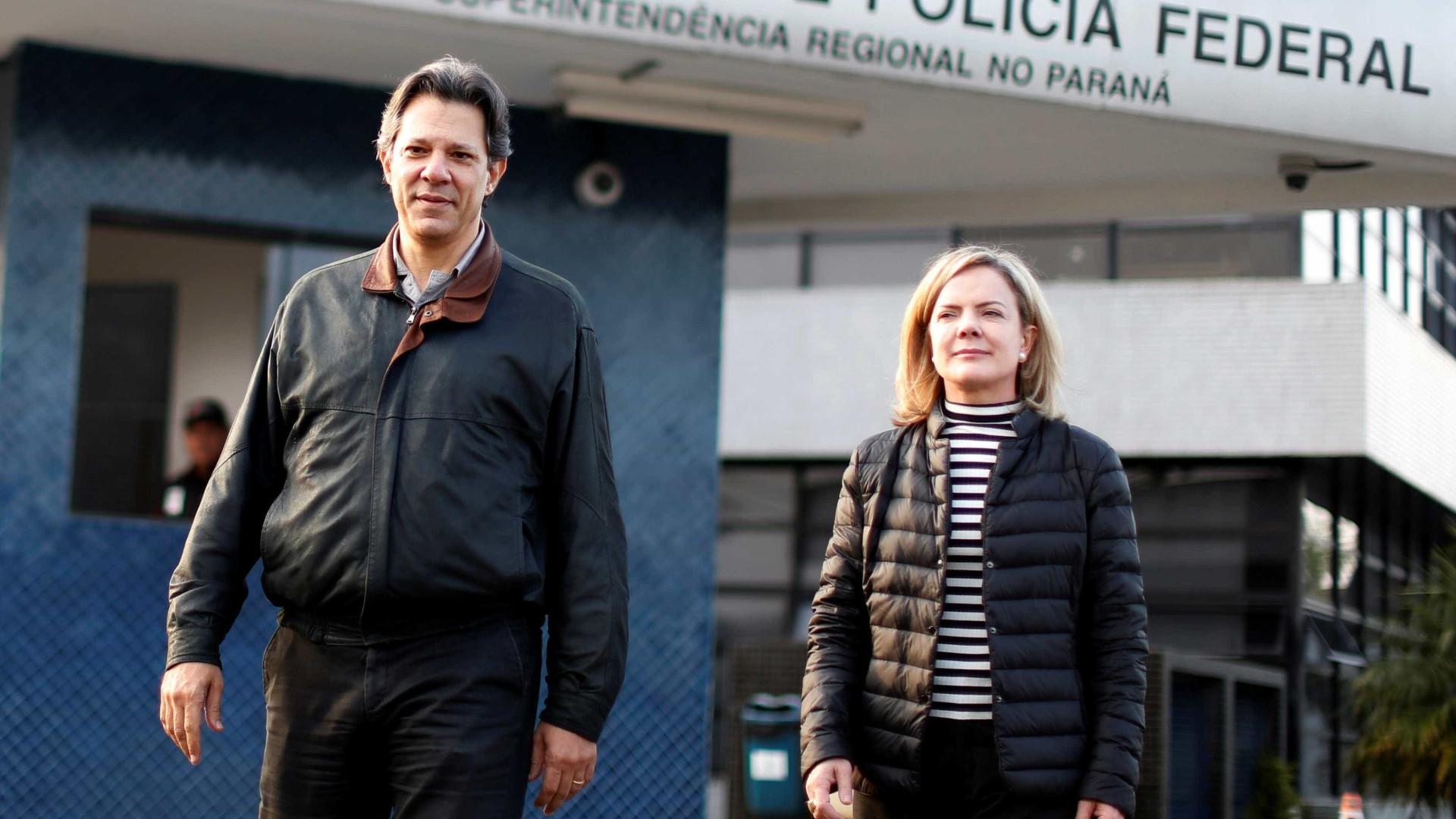 Gleisi defende Haddad nos debates se Lula for impedido de participar
