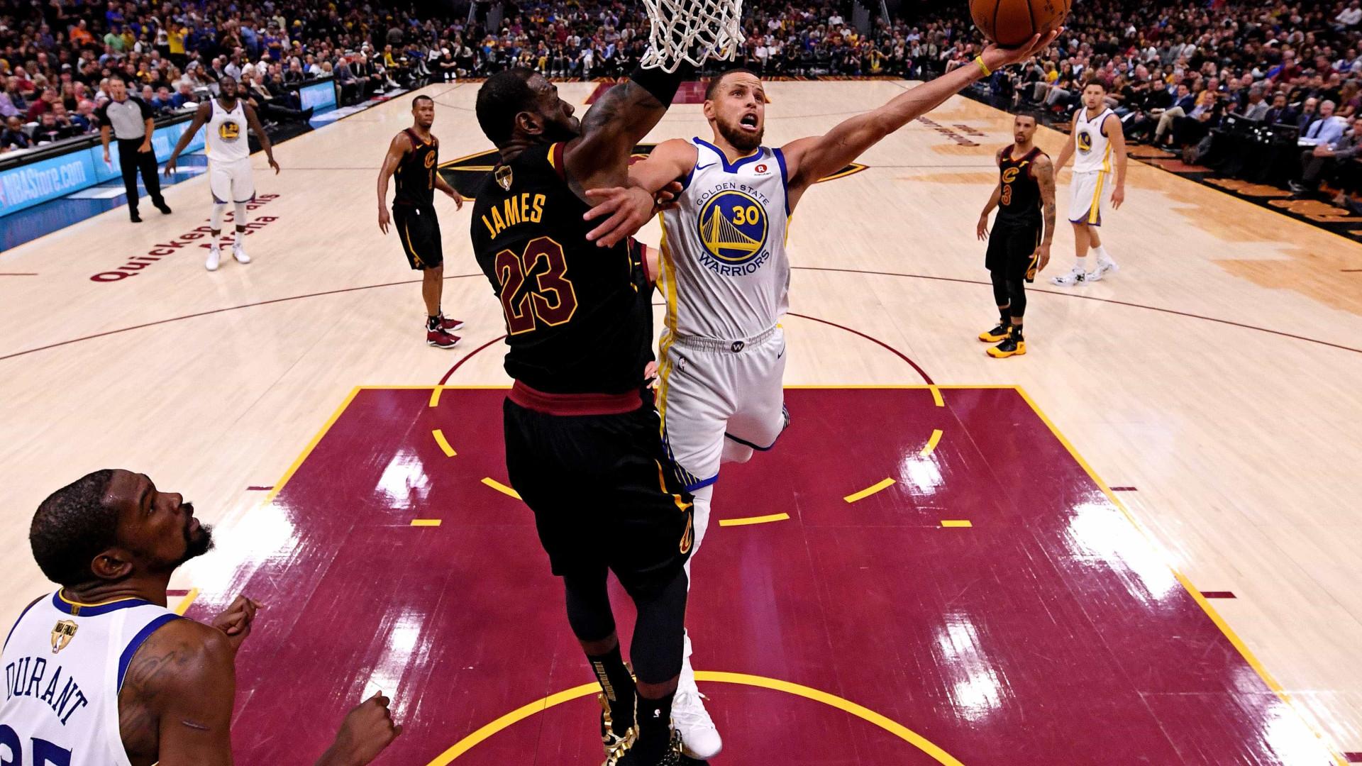 NBA divulga tabela e LeBron fará volta a Cleveland pelo Lakers