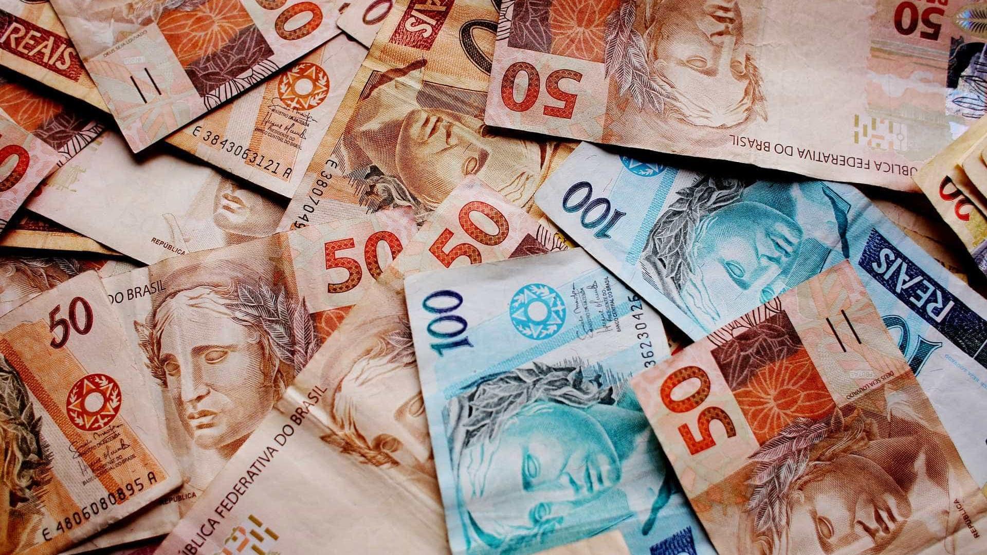 Prazo de saque do abono salarial 2016 termina nesta semana