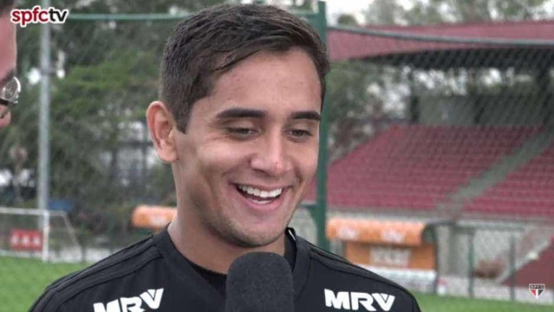 Everton Felipe é relacionado por Aguirre para jogo contra o Sport
