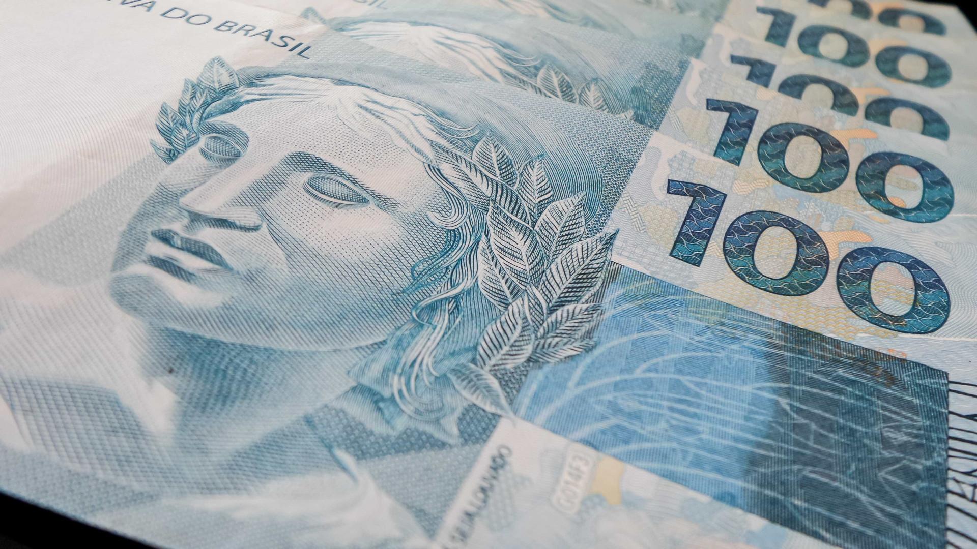 Investidor negocia títulos públicos na euforia eleitoral