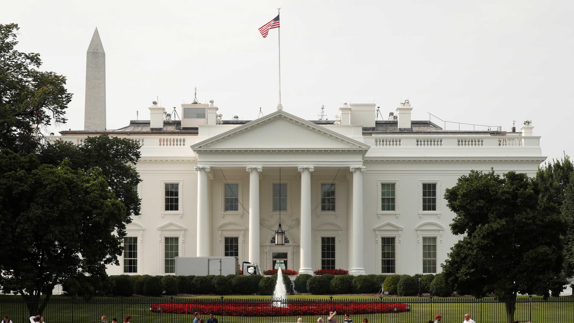 EUA faz simulação de alerta máximo em 225 milhões de celulares