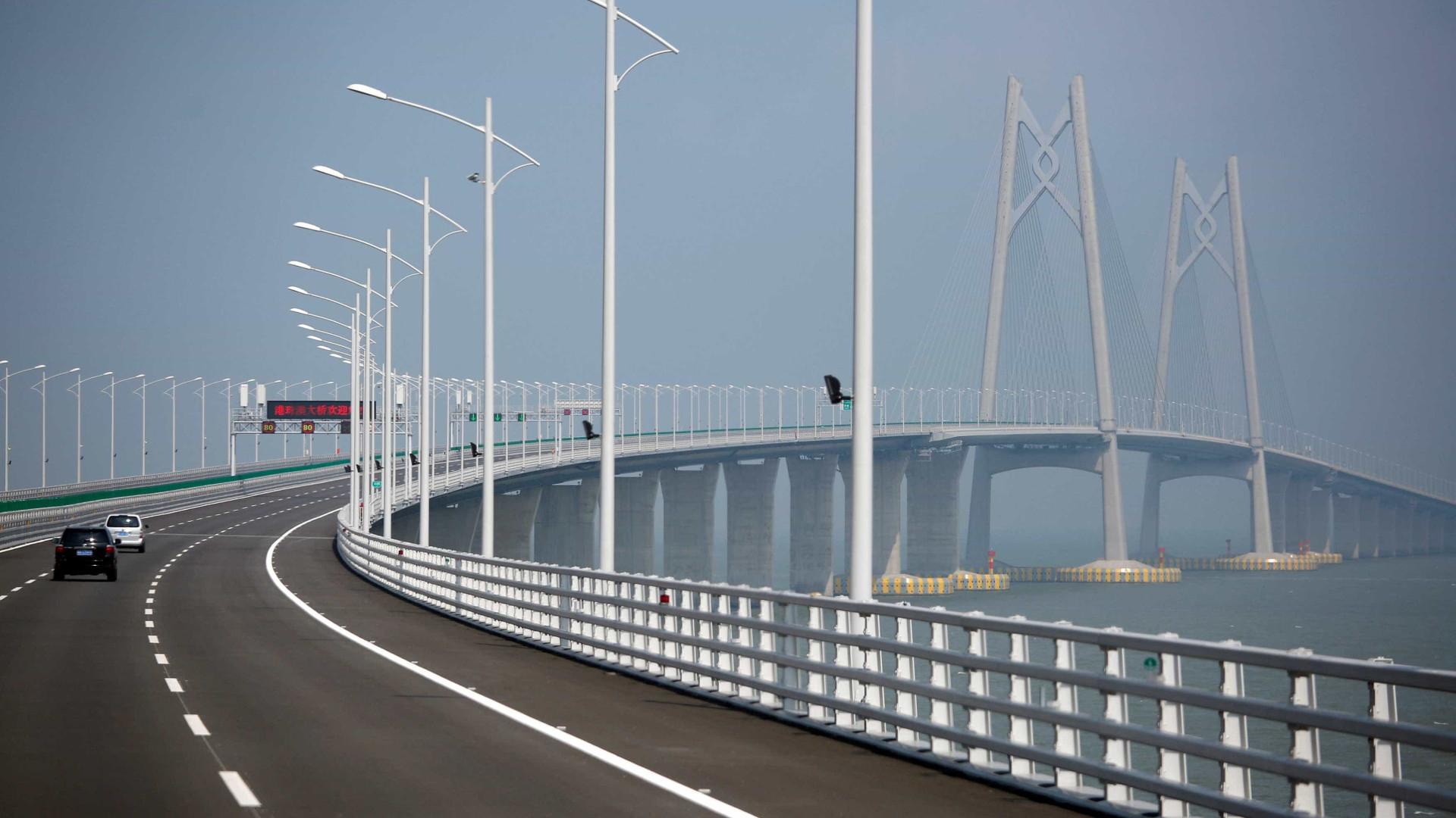 China conclui construção da maior ponte marítima do mundo