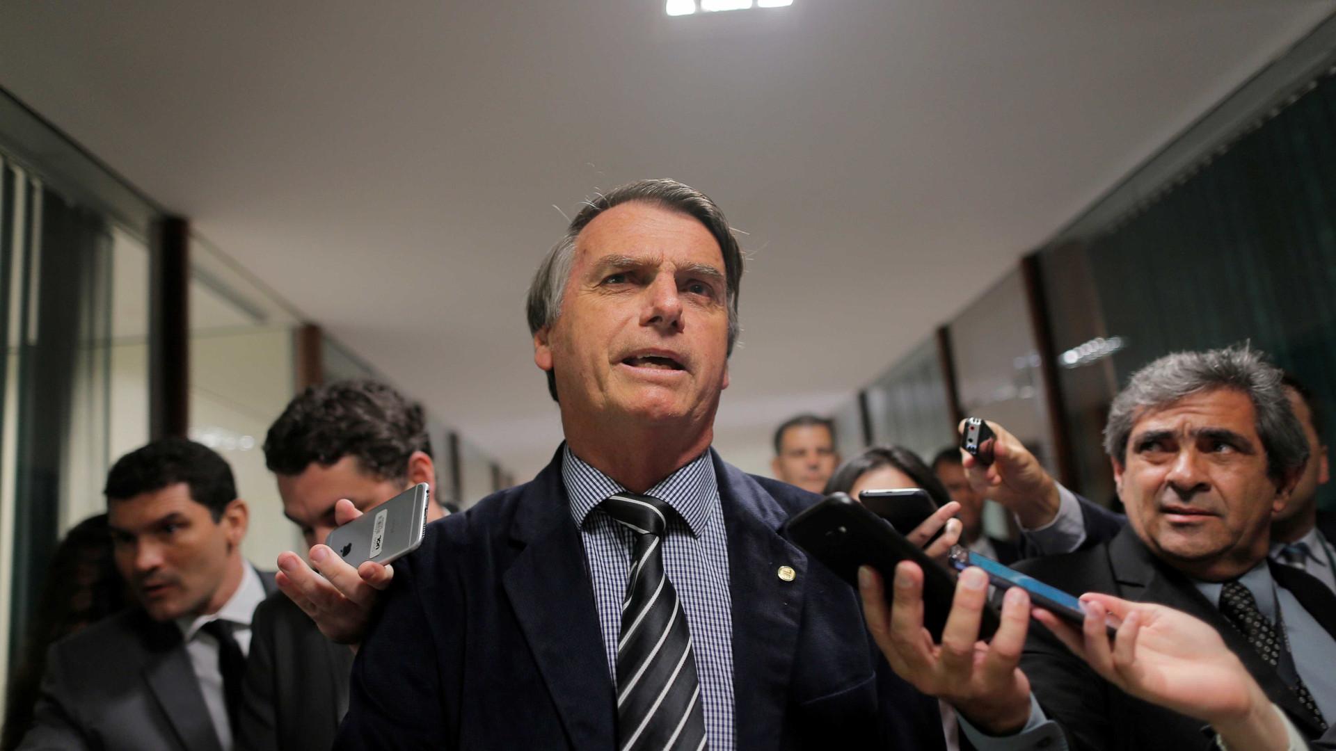 'Dispensamos voto de quem pratica violência', diz Bolsonaro