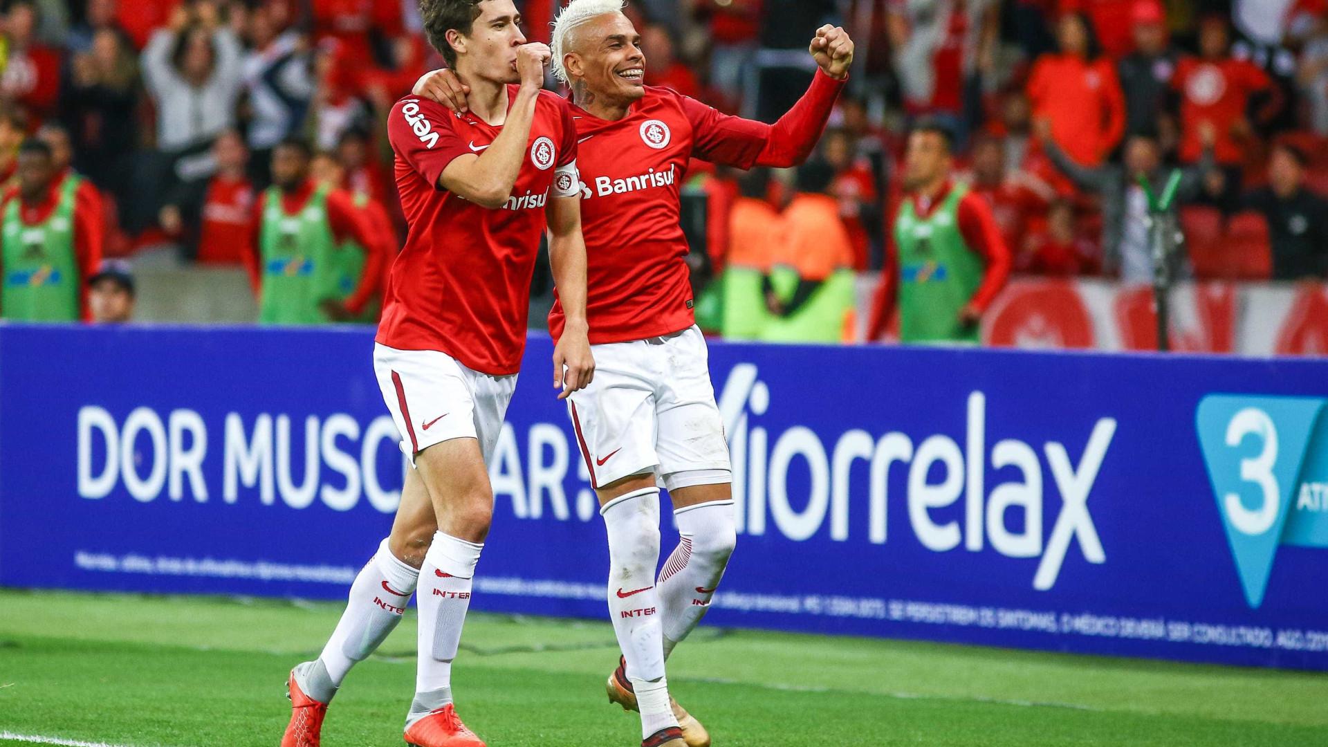 Inter pega o Santos e tenta impedir disparada do Palmeiras
